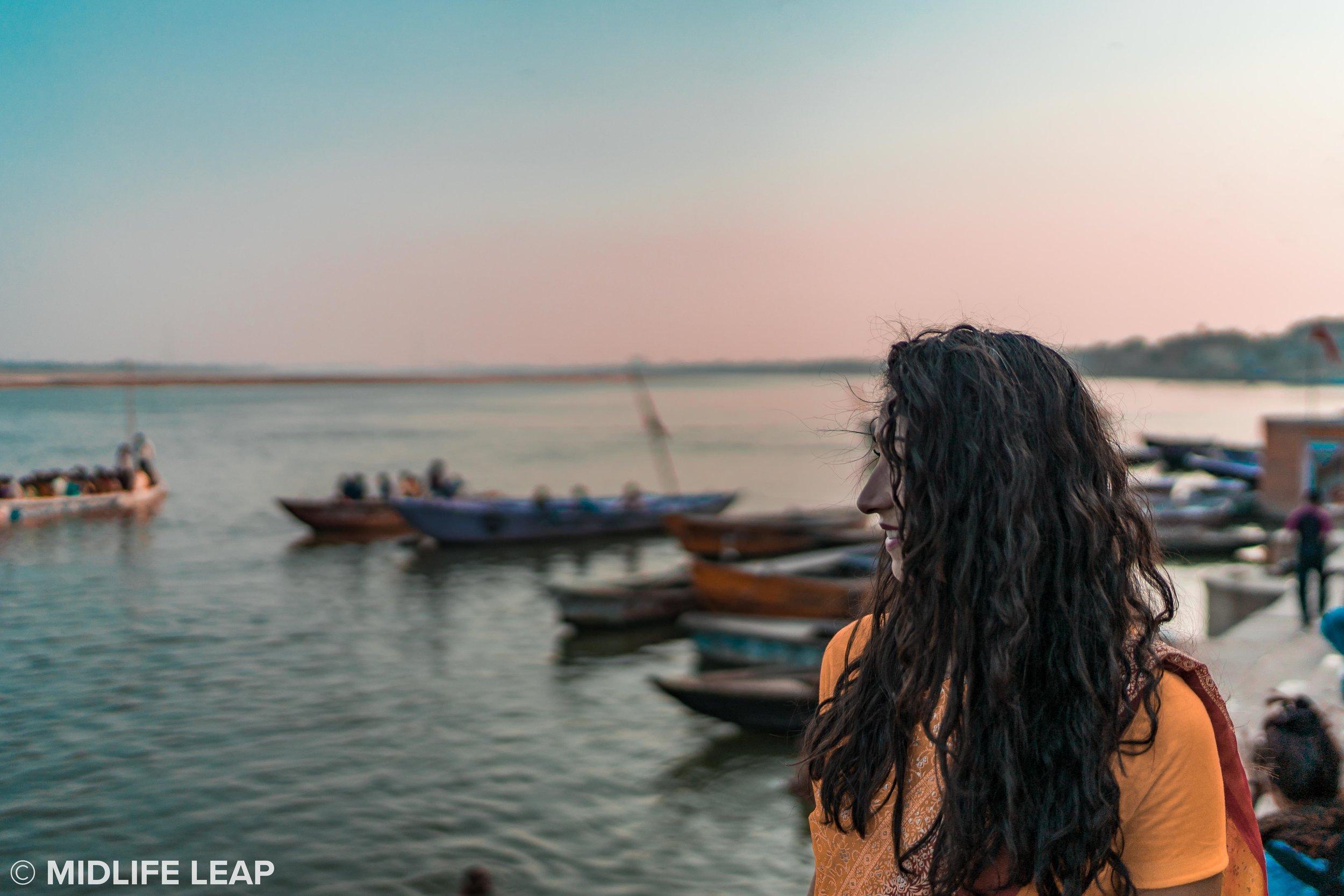 varanasi-ganges-sunset-saree.jpg