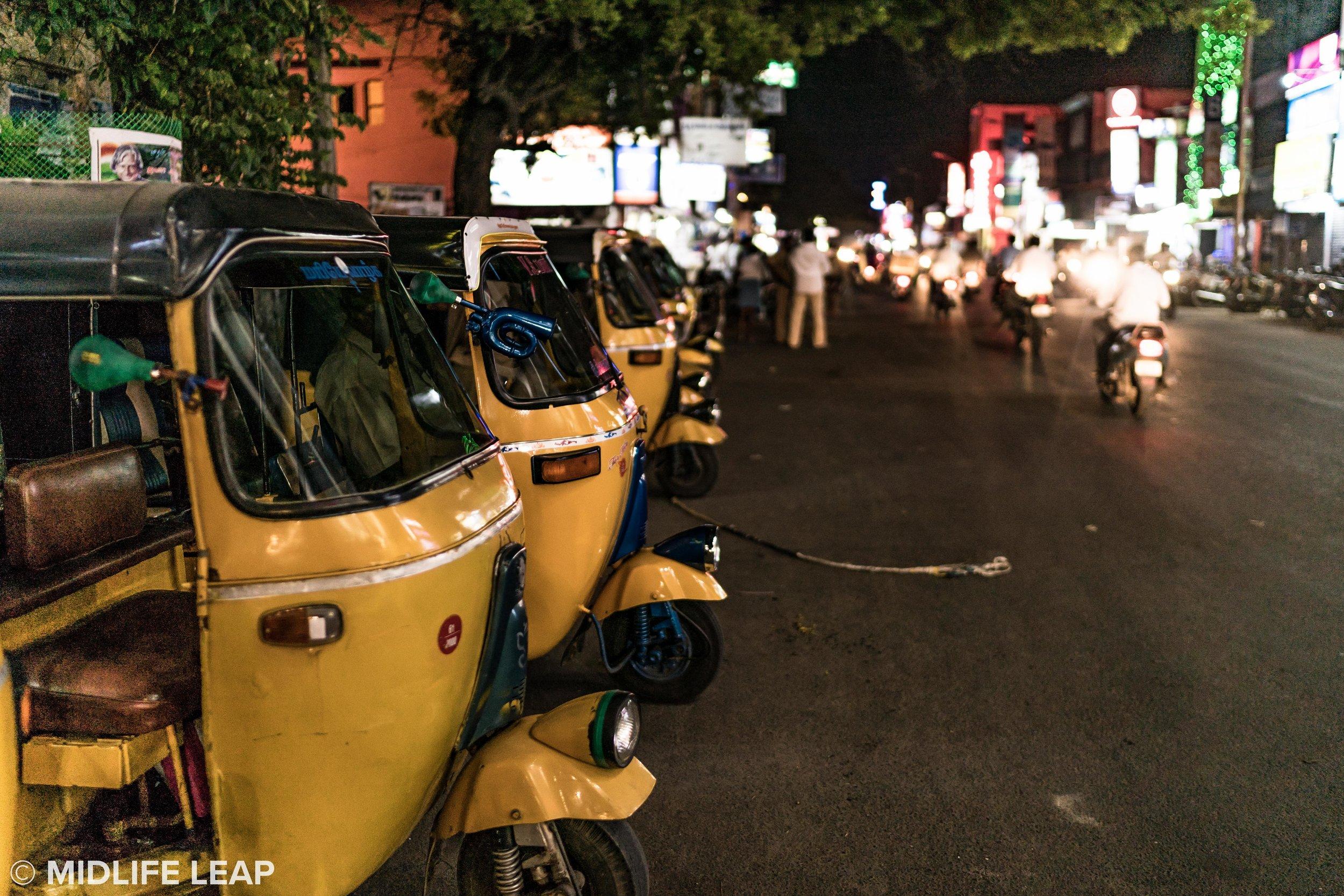 rickshaws-in-line-pondicherry-at-night