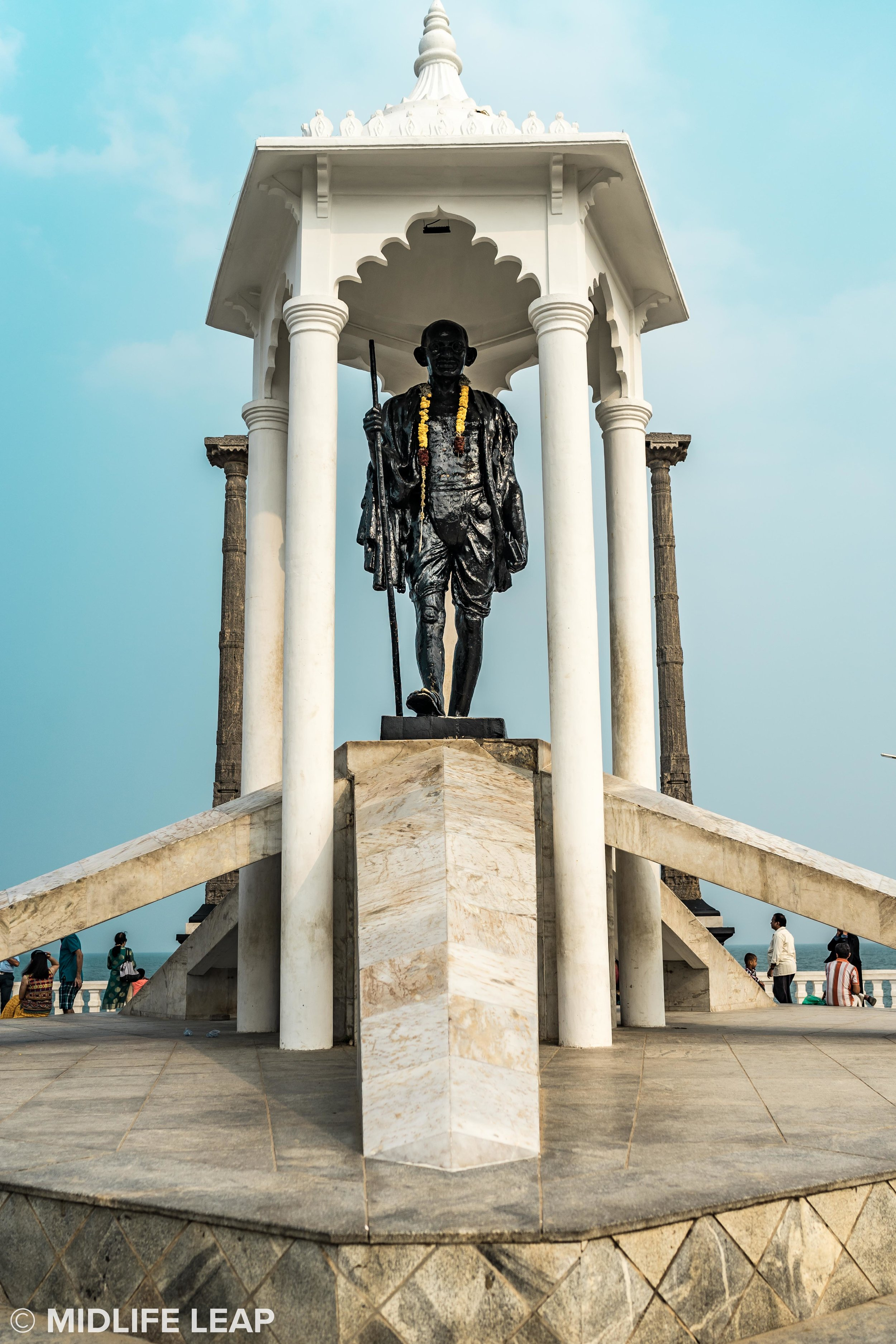 gandhi-statue-pondicherry
