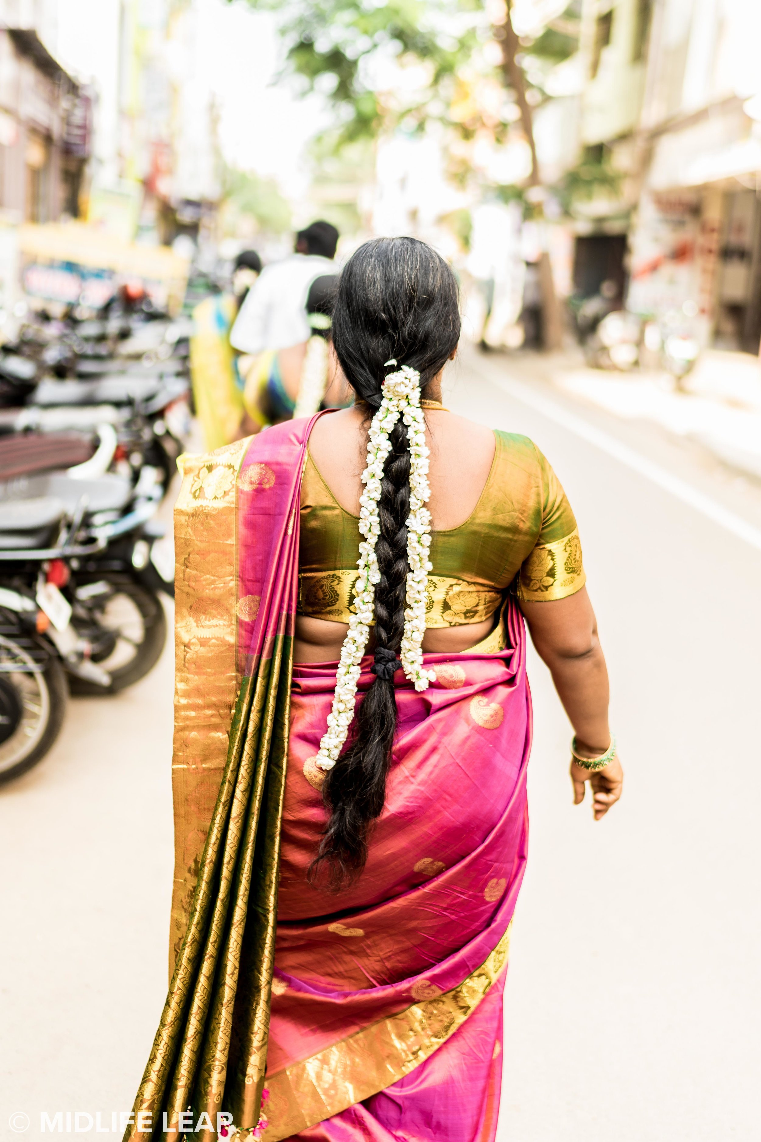 women-of-chennai-flowers-in-hair.jpg