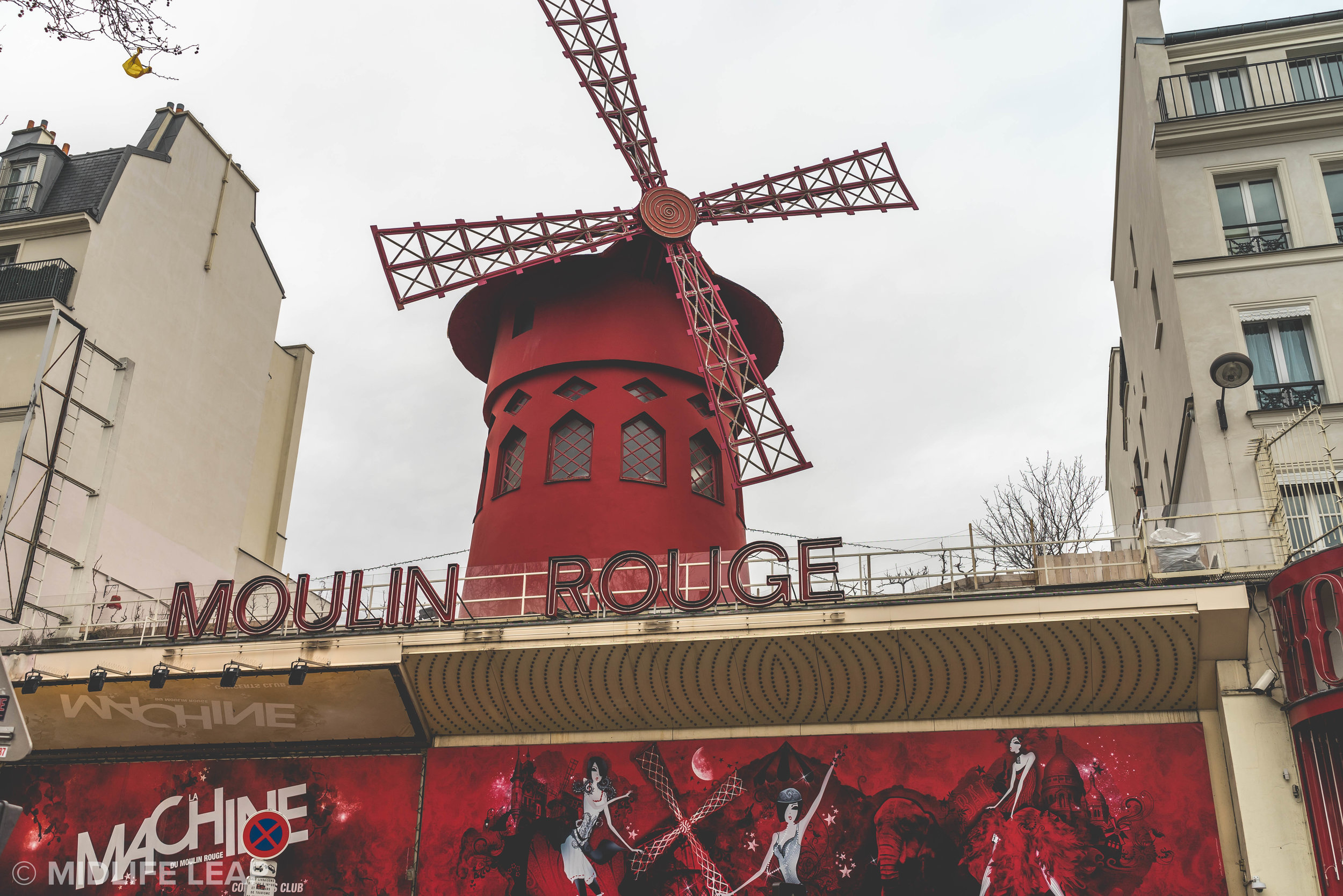 moulin-rouge-what-to-do-in-montmartre-18th-paris
