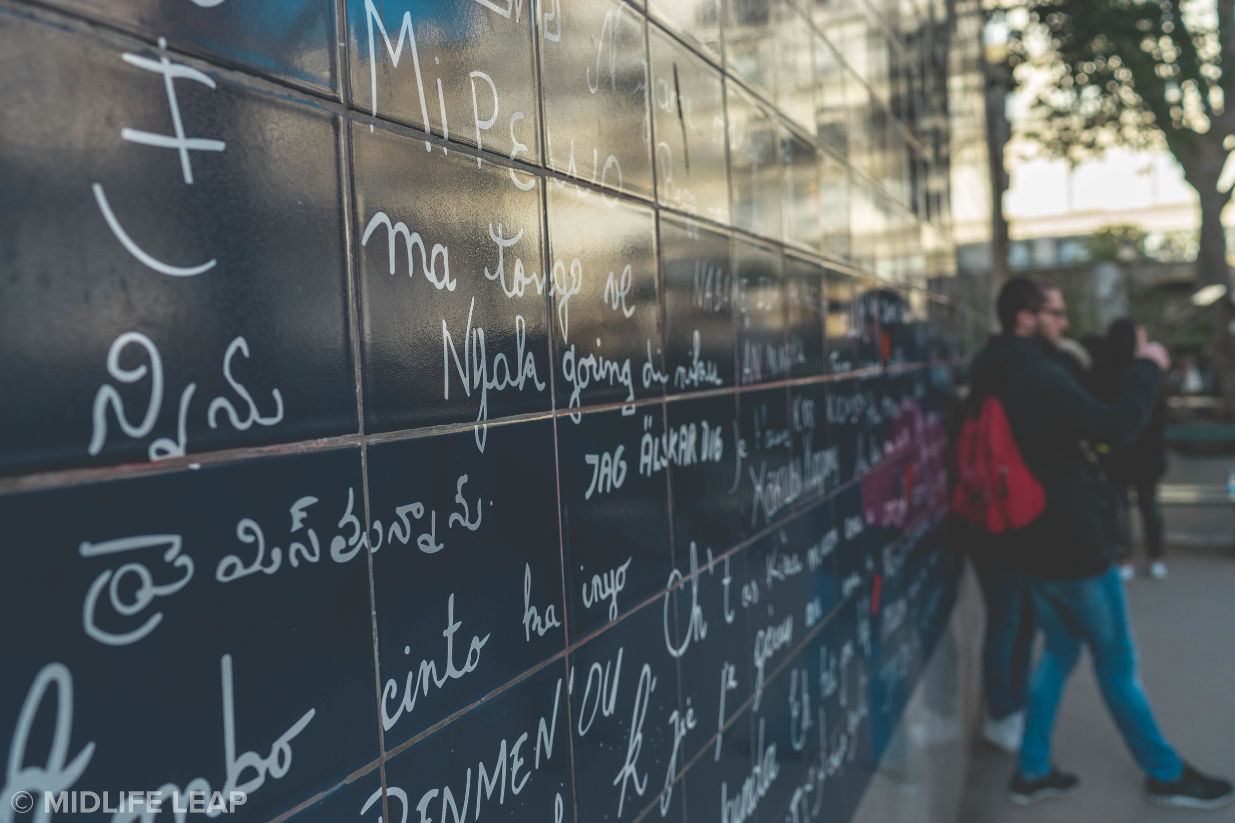 the-wall-of-love-things-to-do-in-montmartre-18th-arrondissement-paris
