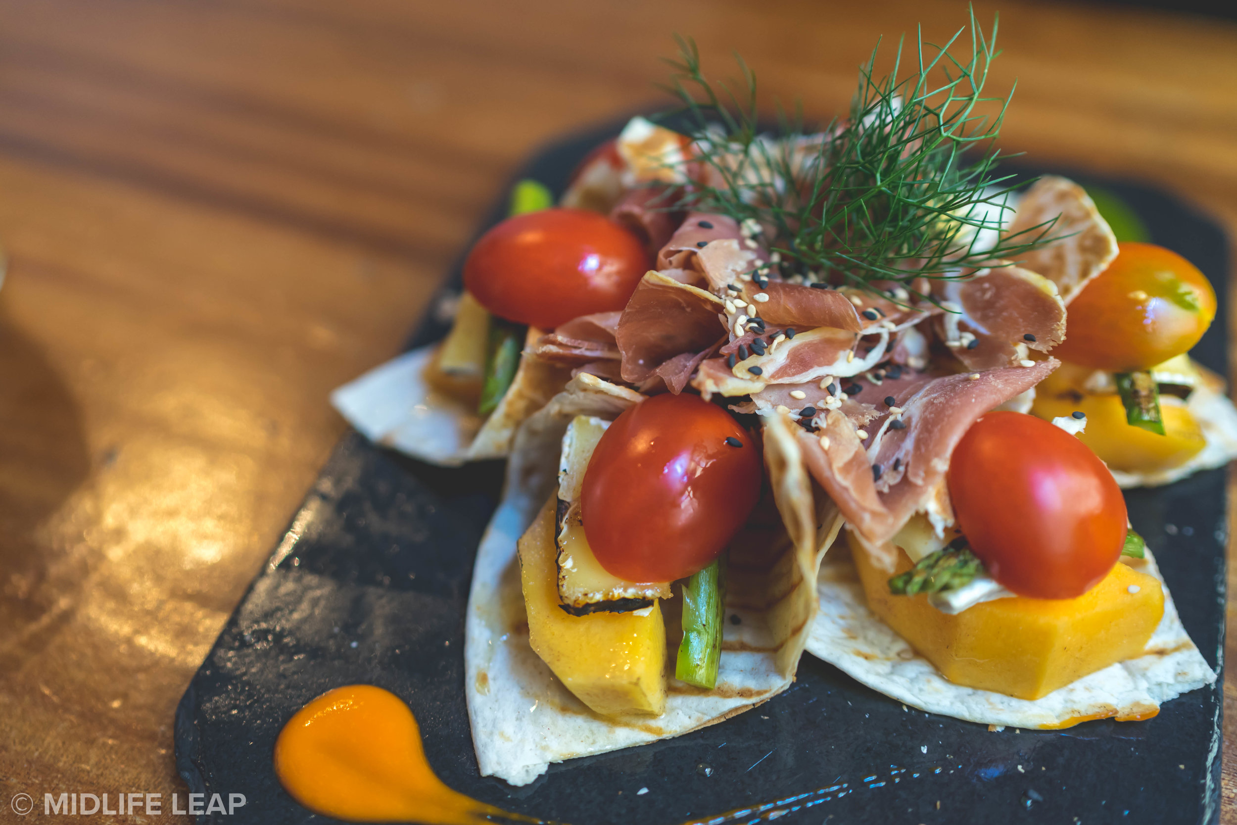 where-to-eat-lunch-in-lisbon-cruzes-credo