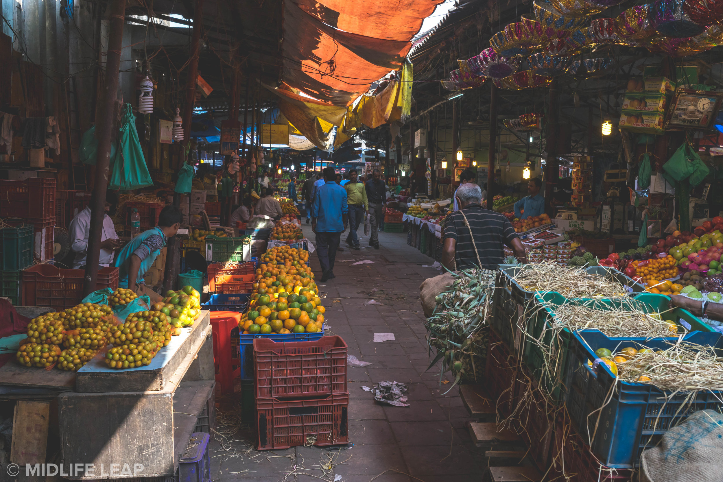 where-to-shop-at-local-markets-in-mumbai-bombay-india