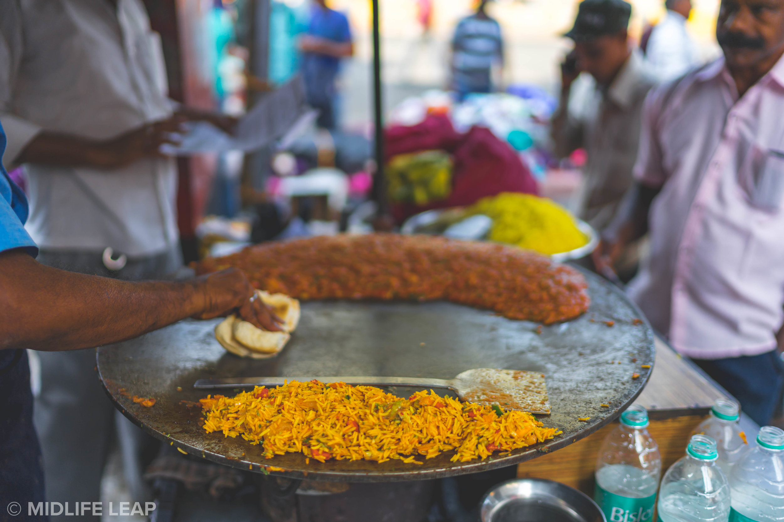 how-to-eat-street-food-in-india