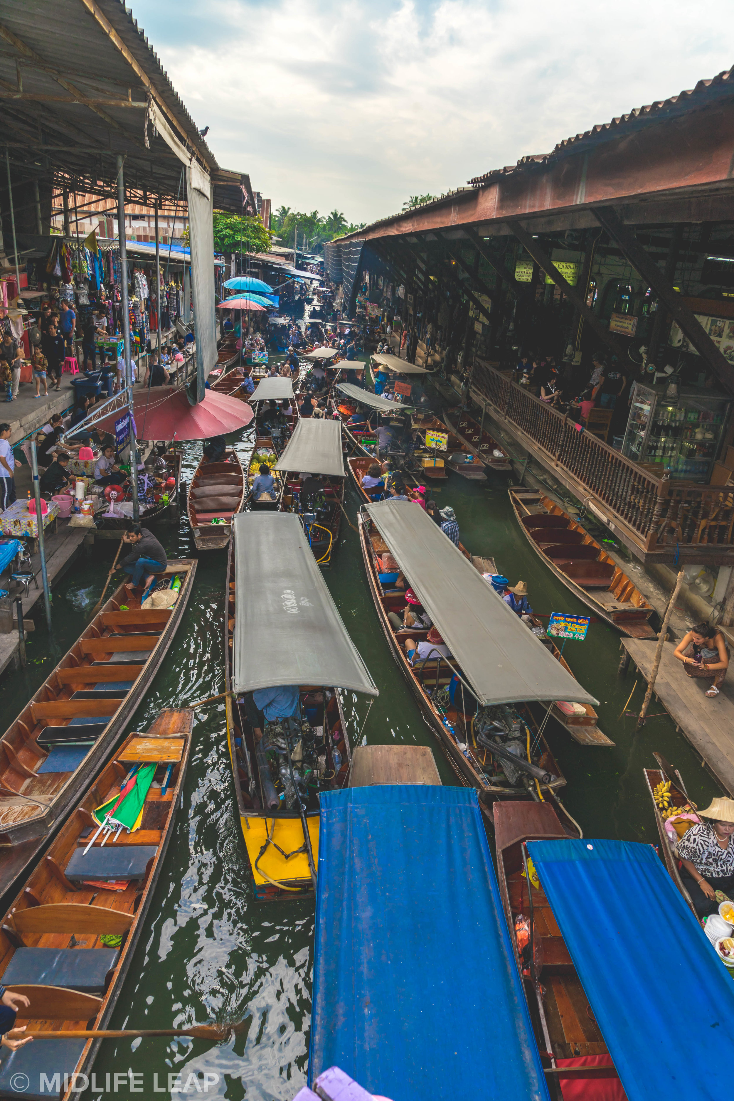 visiting-the-floating-markets-in-bangkok-damnoen-saduak