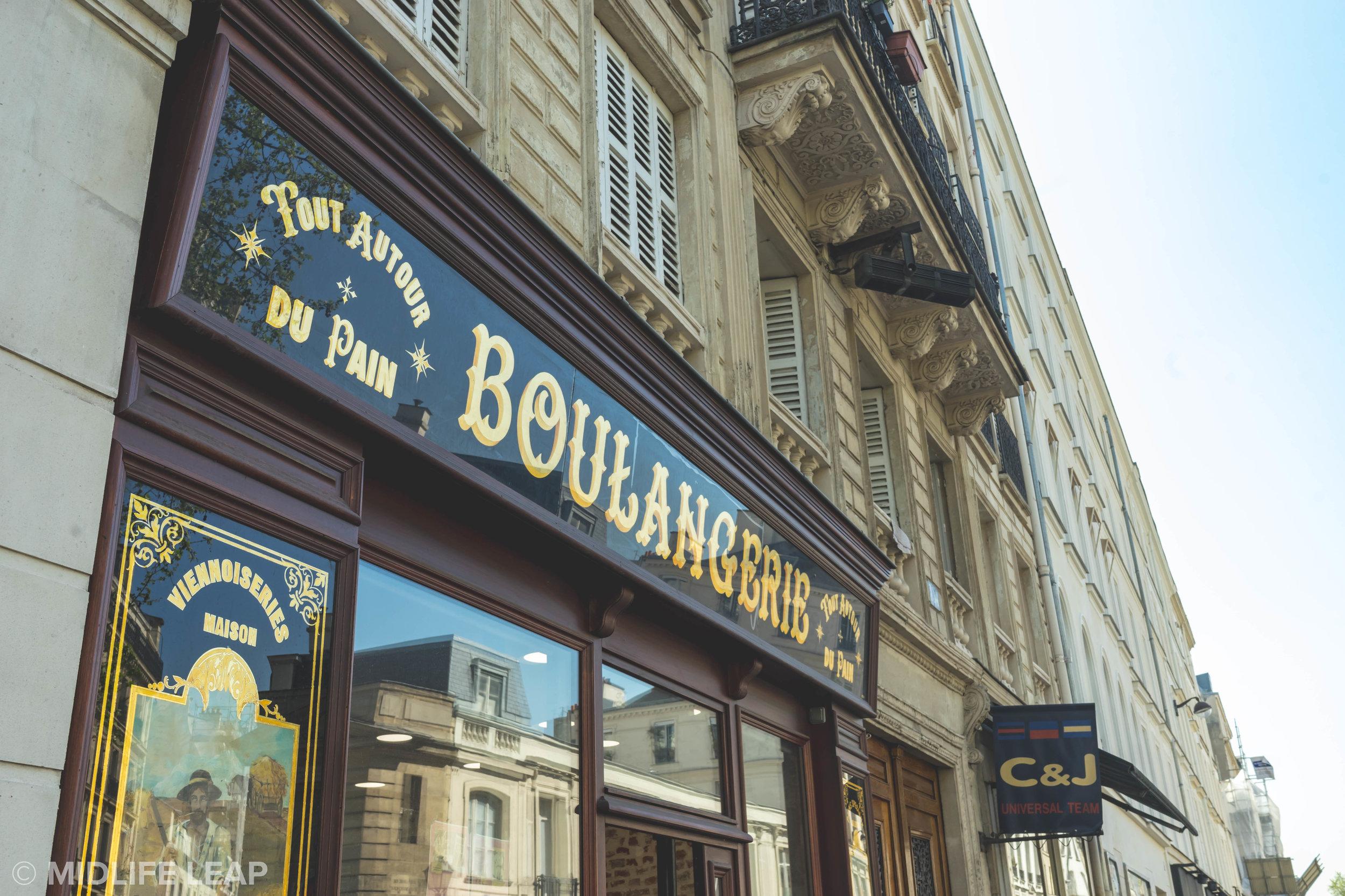 best-croissants-in-paris-tout-autour-du-pain