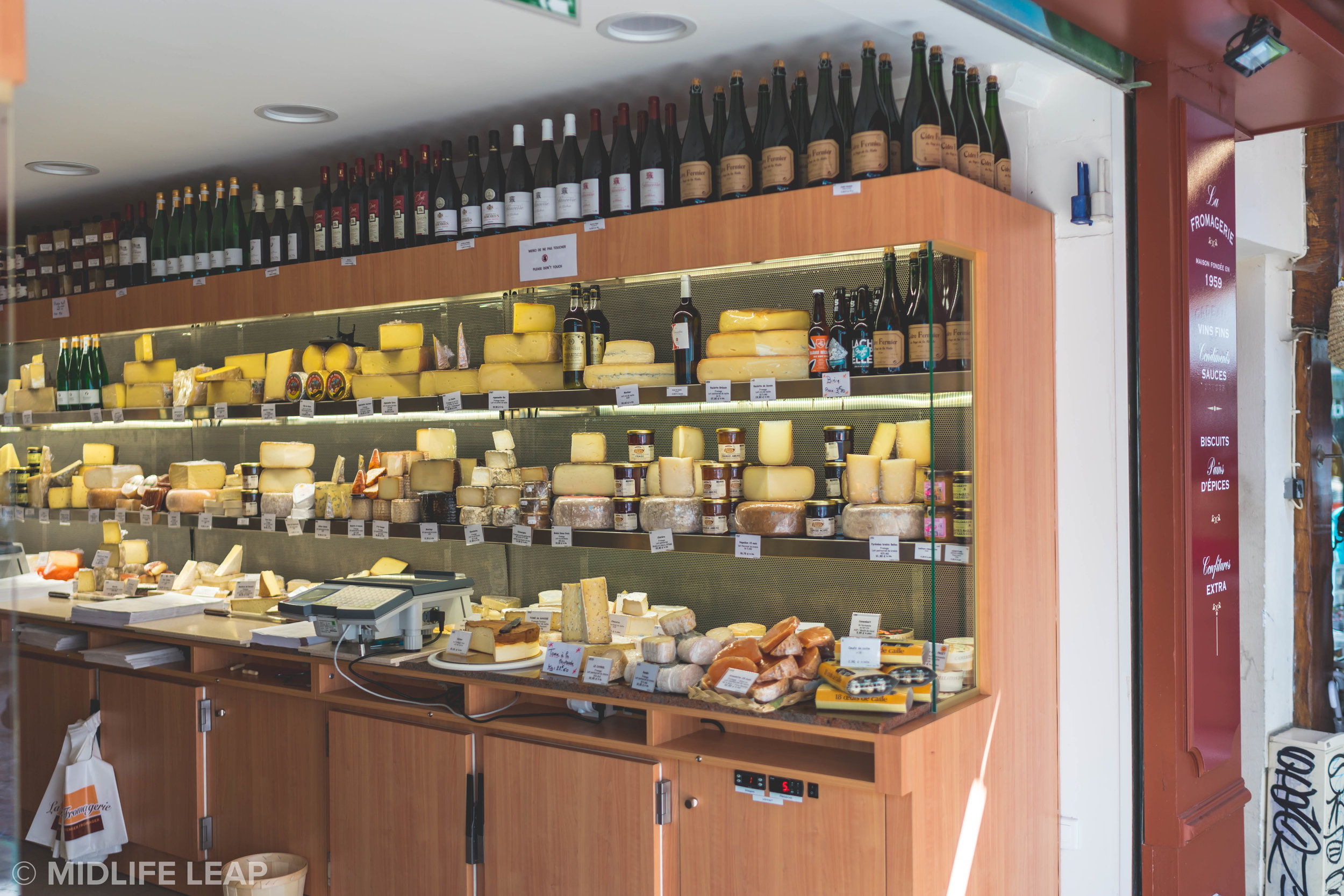 the-best-cheese-shop-in-paris-the-house-of-androuet-rue-mouffetard