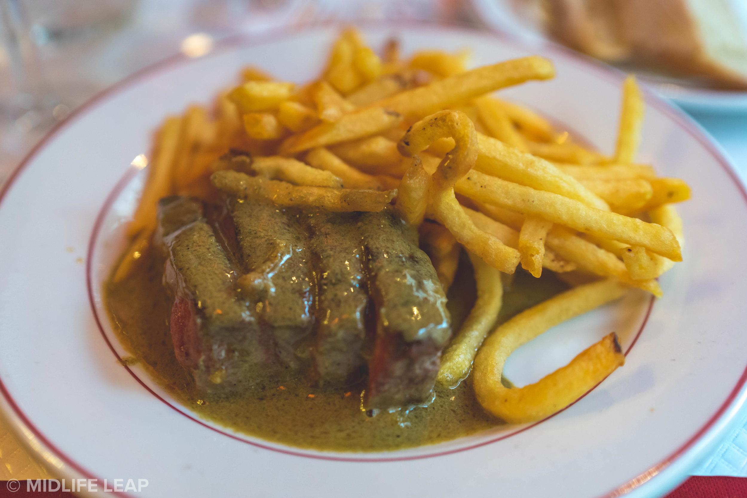 the-best-place-to-eat-in-saint-germain-paris-steak-frites