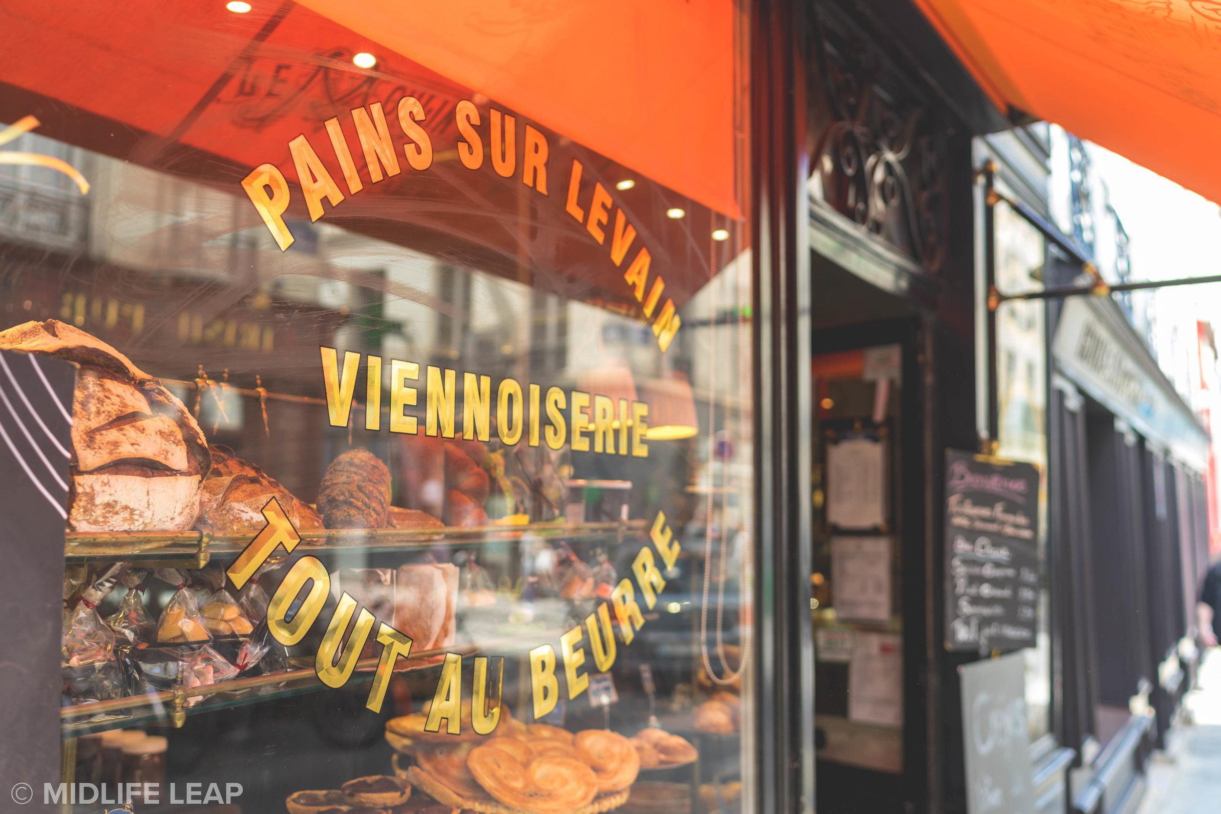 best-croissants-near-the-eiffel-tower-le-moulin-de-la-vierge