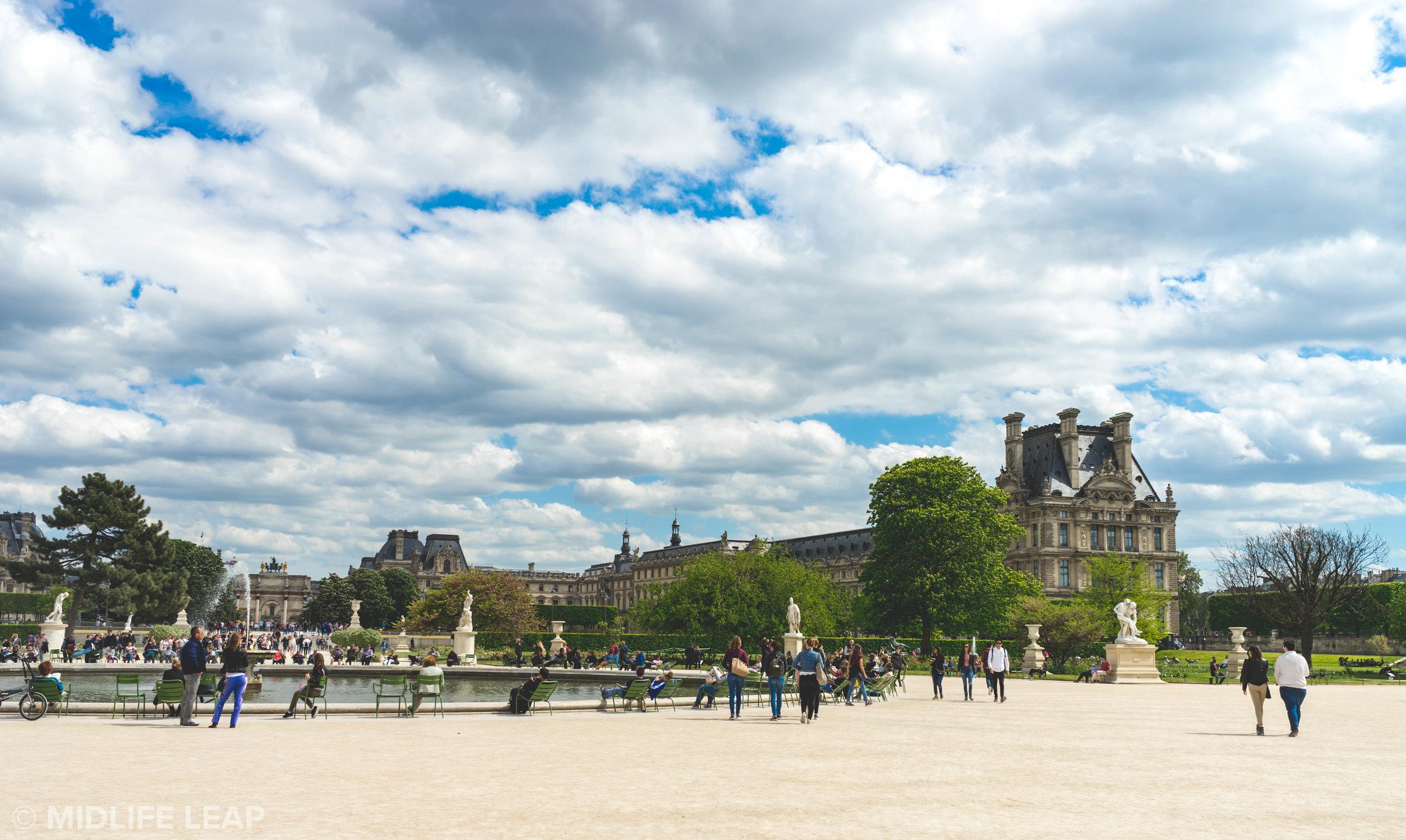 visiting-the-tuileries-gardens-in-paris
