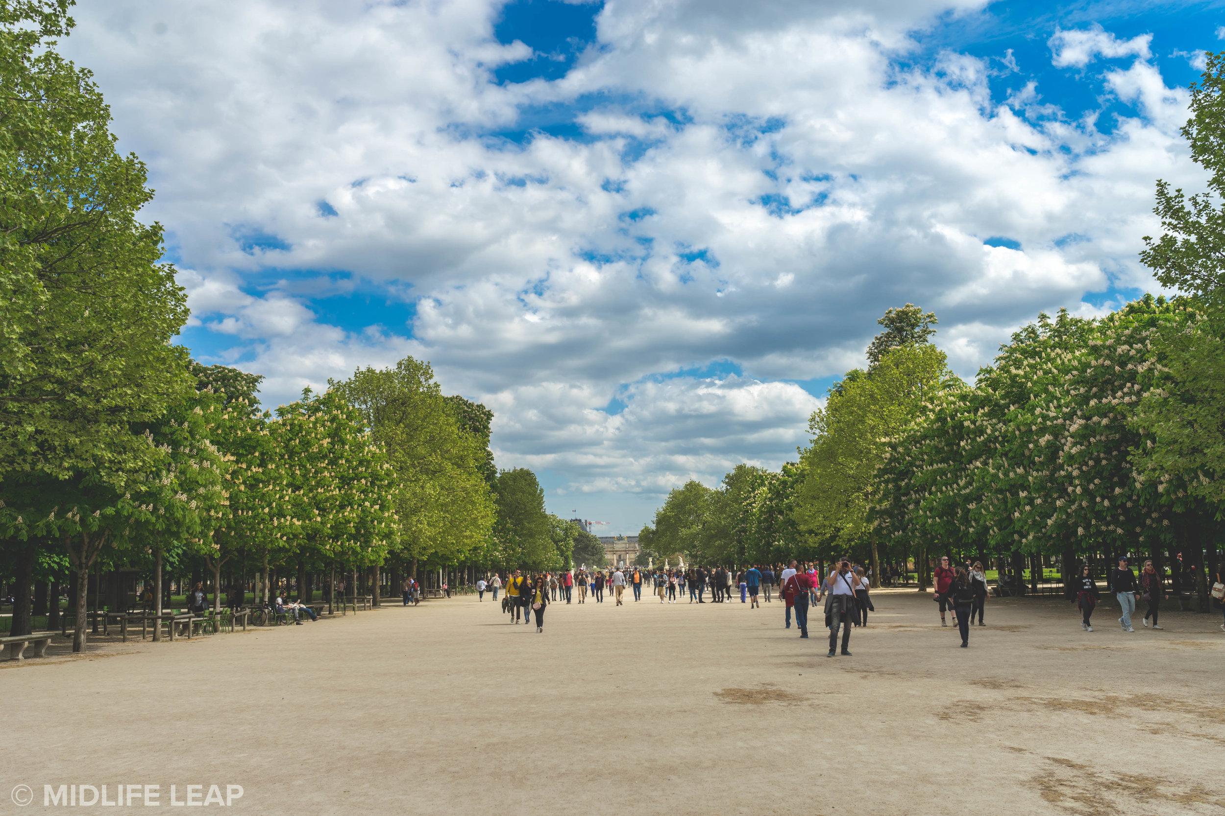 visiting-the-tuileries-garden-in-paris