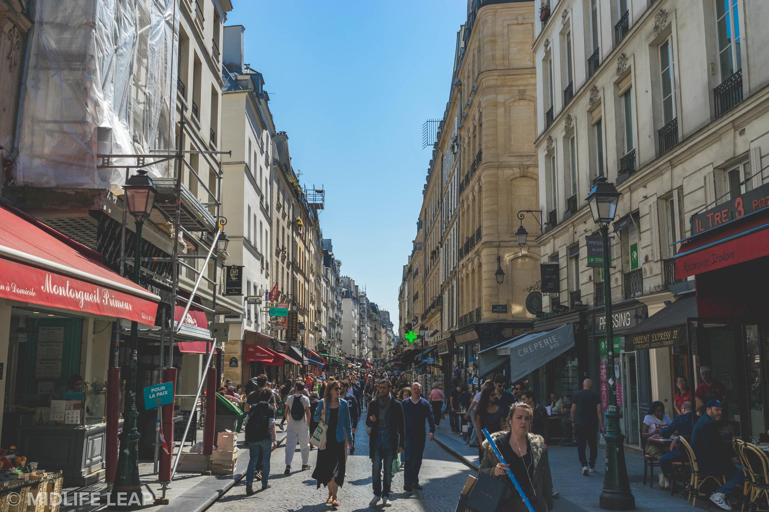rue-montorgueil-best-shopping-street-in-paris