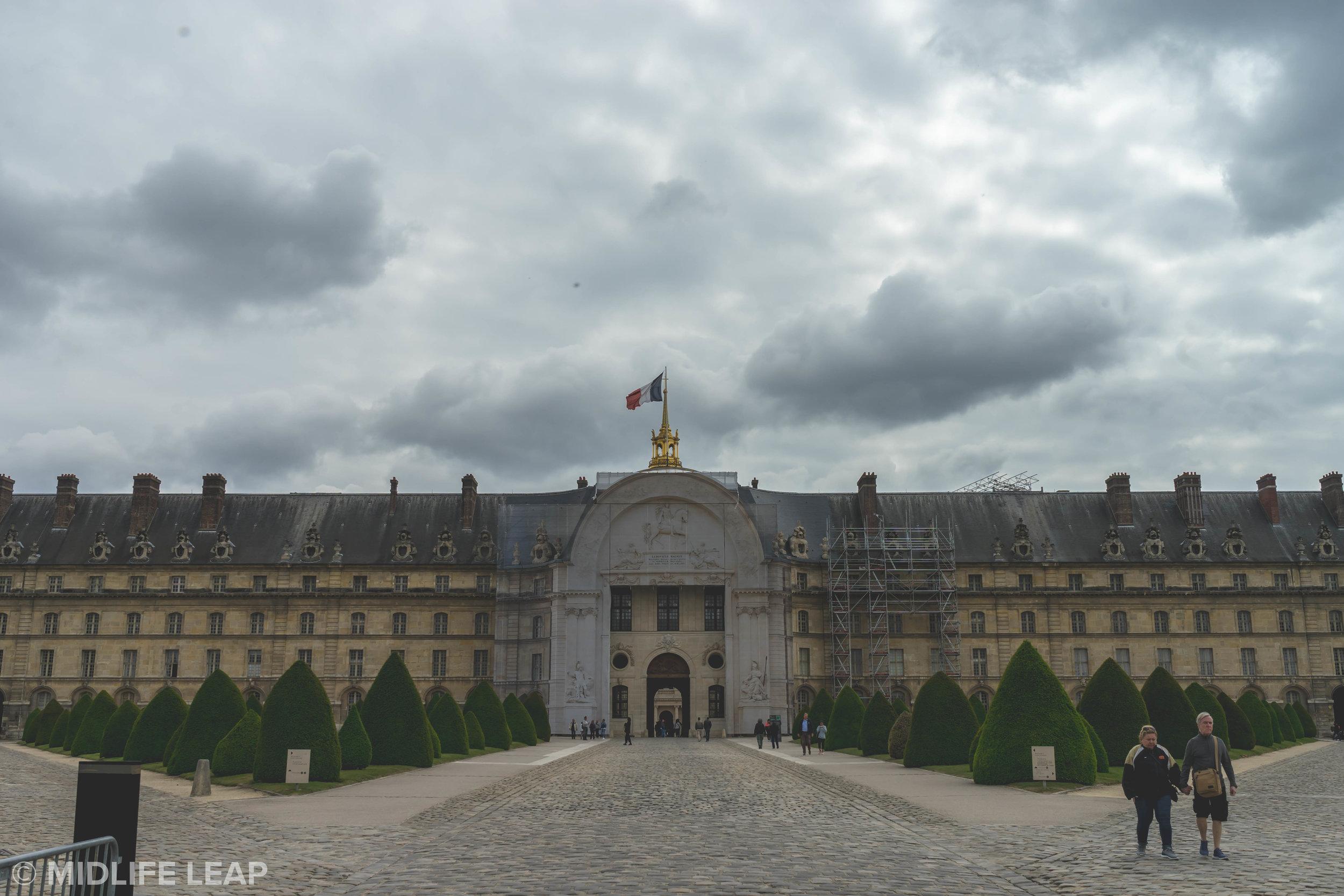 how-to-visit-les-invalides-in-paris