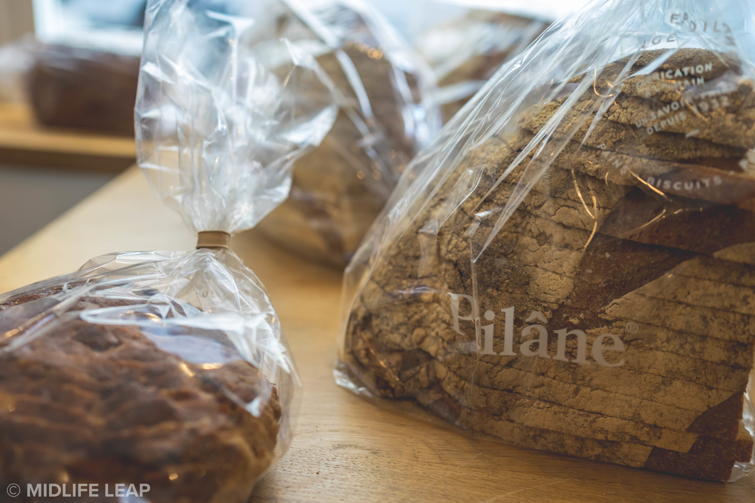 where-to-find-the-best-bread-in-paris-boulangerie-poilane