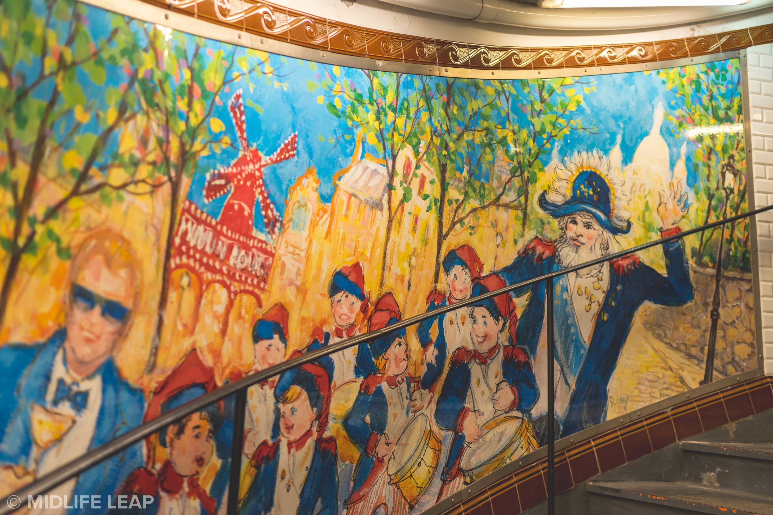 artwork-at-metro-abbesses-montmartre