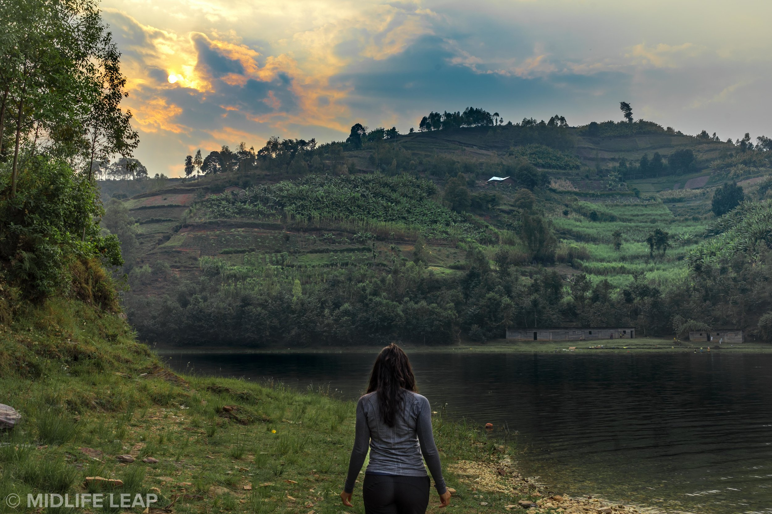 hiking-in-twin-lakes-rwanda-gorilla-trek