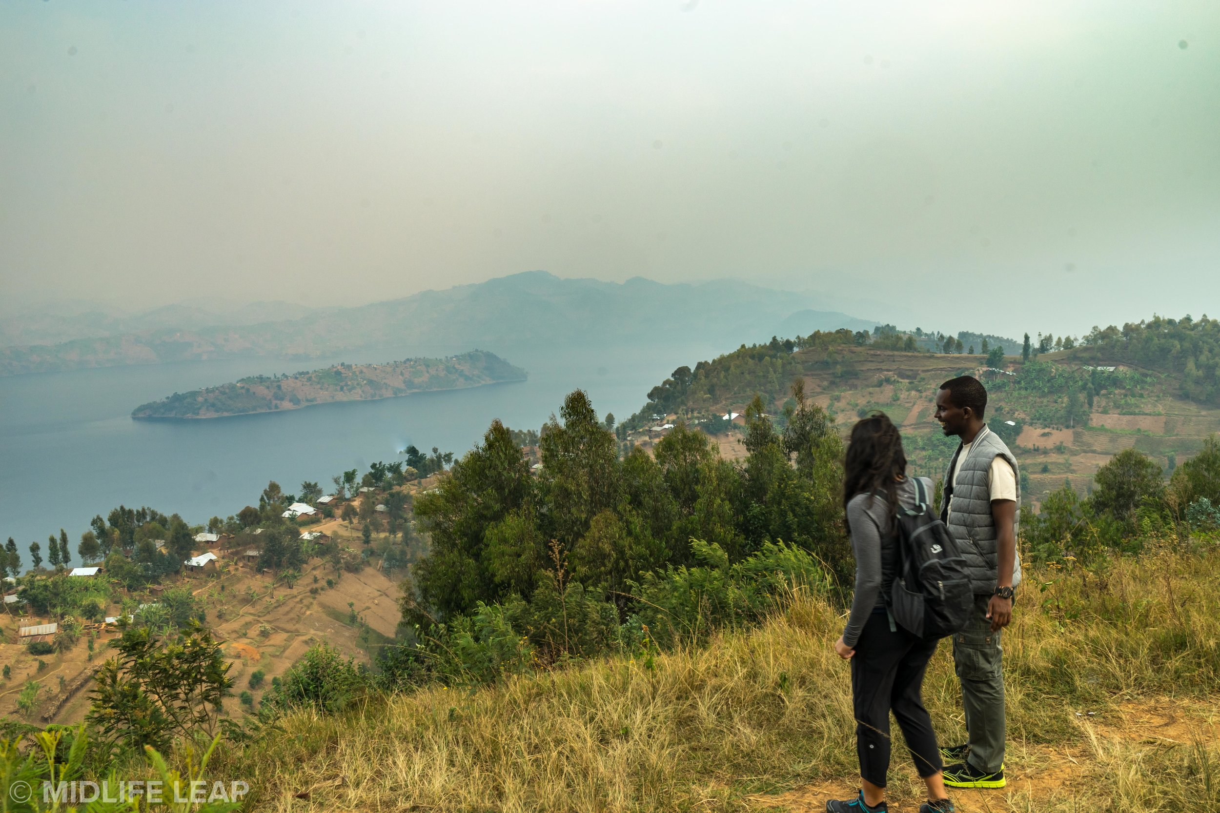 twin-lake-hike-in-rwanda-gorilla-trekking