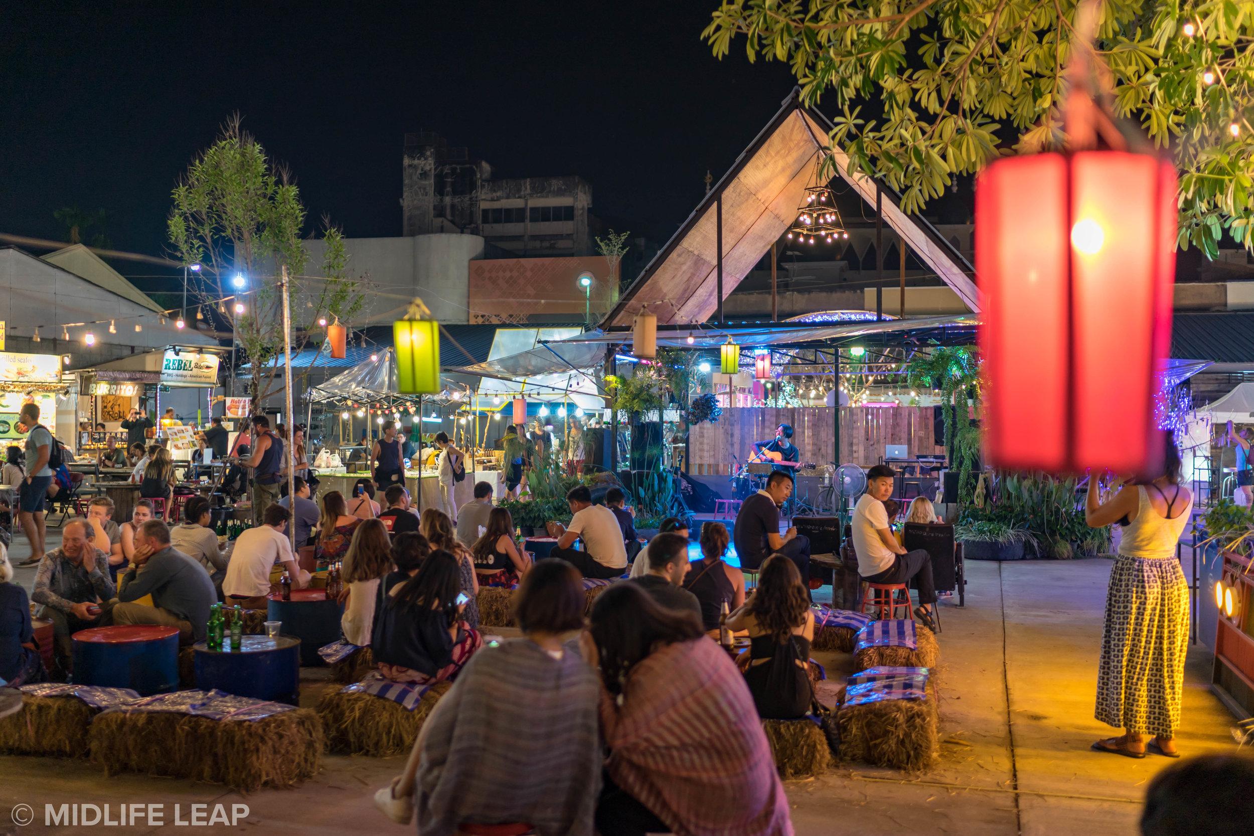 Ploen Ruedee Night Market!