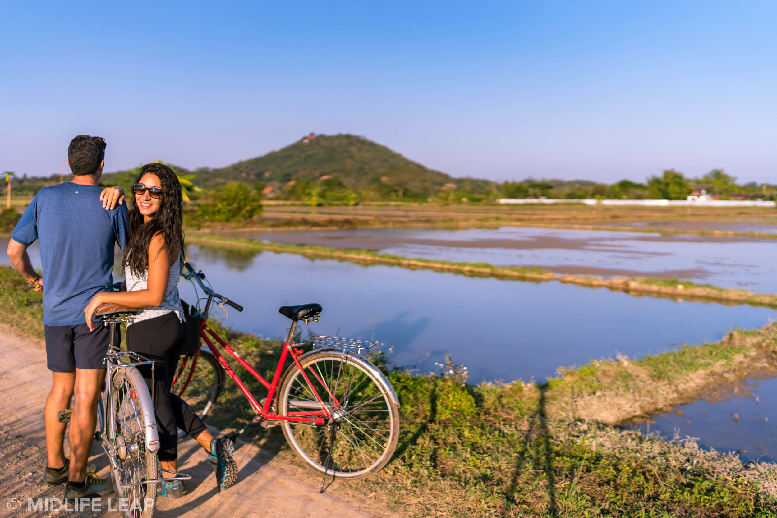 how-to-get-to-the-white-temple-chiang-rai-by-bike