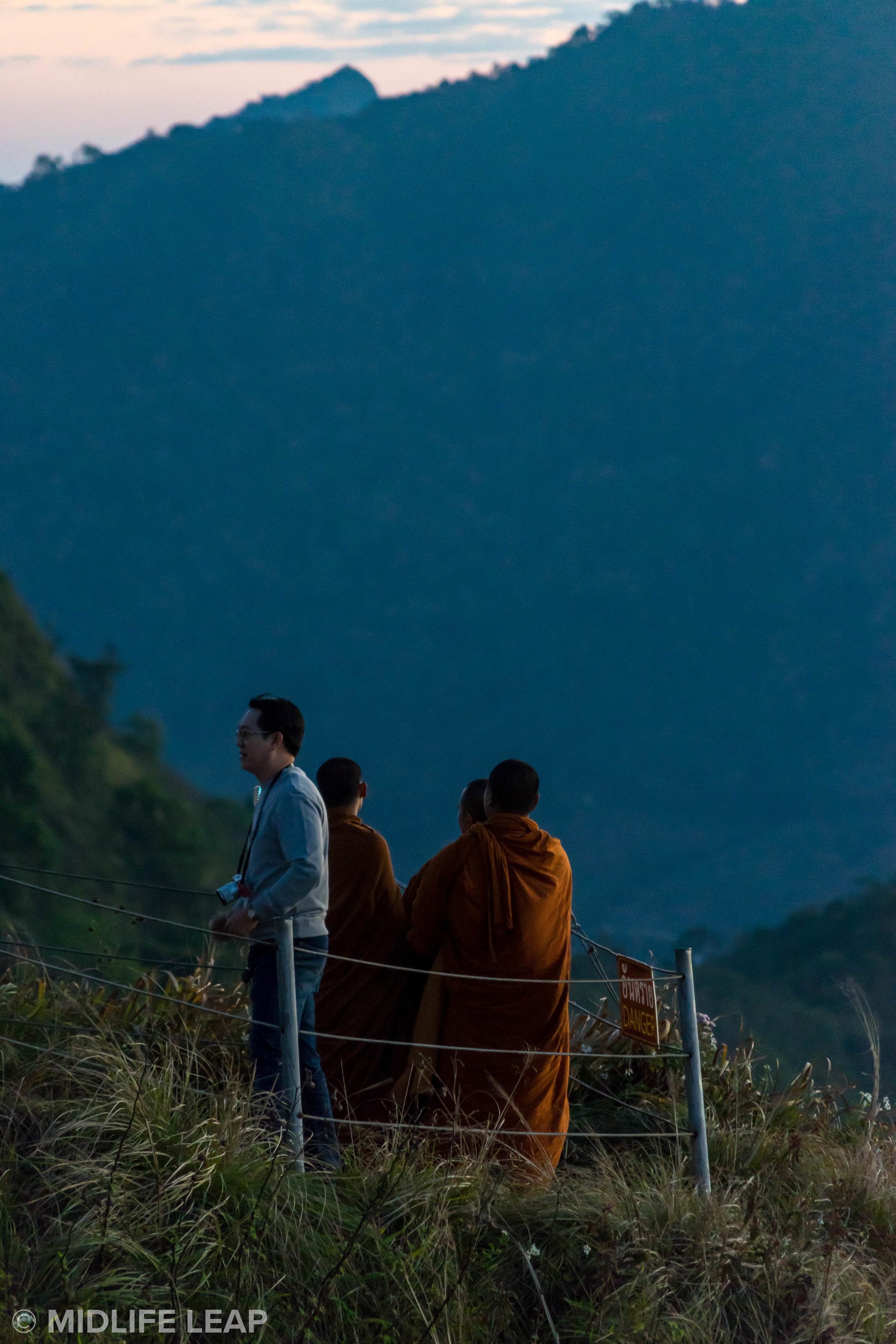 Even Buddhist Monks take selfies