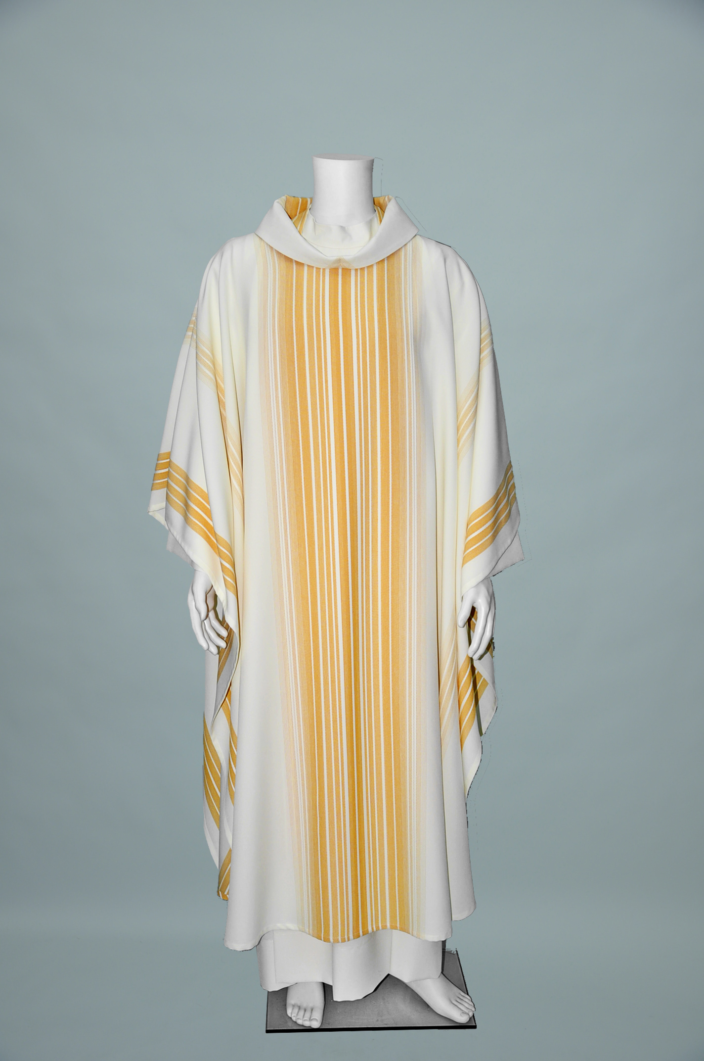 WHITE/GOLD MONE CHASUBLE W/ STOLE (F) 1