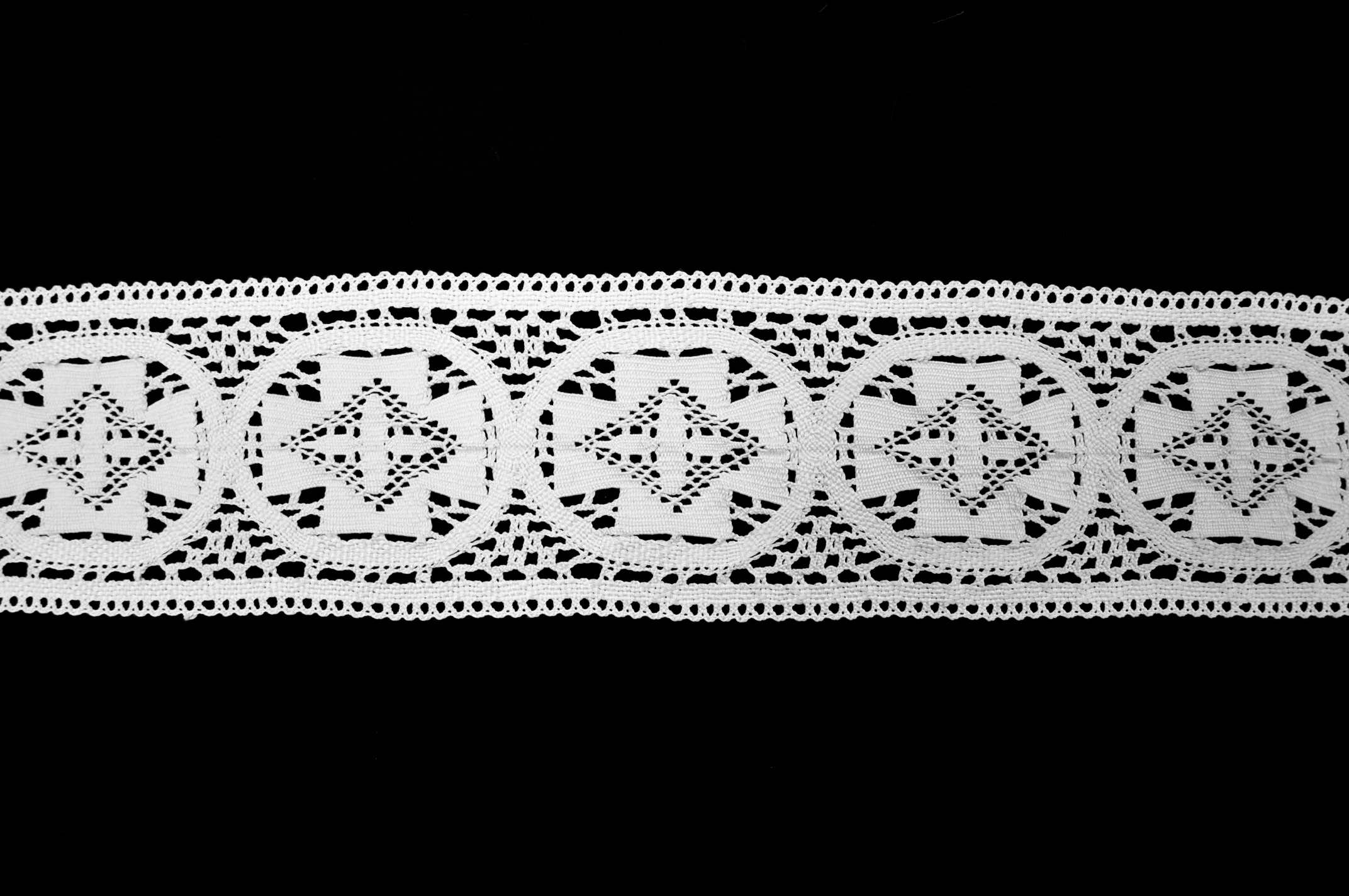 "4"" CROSS LACE"