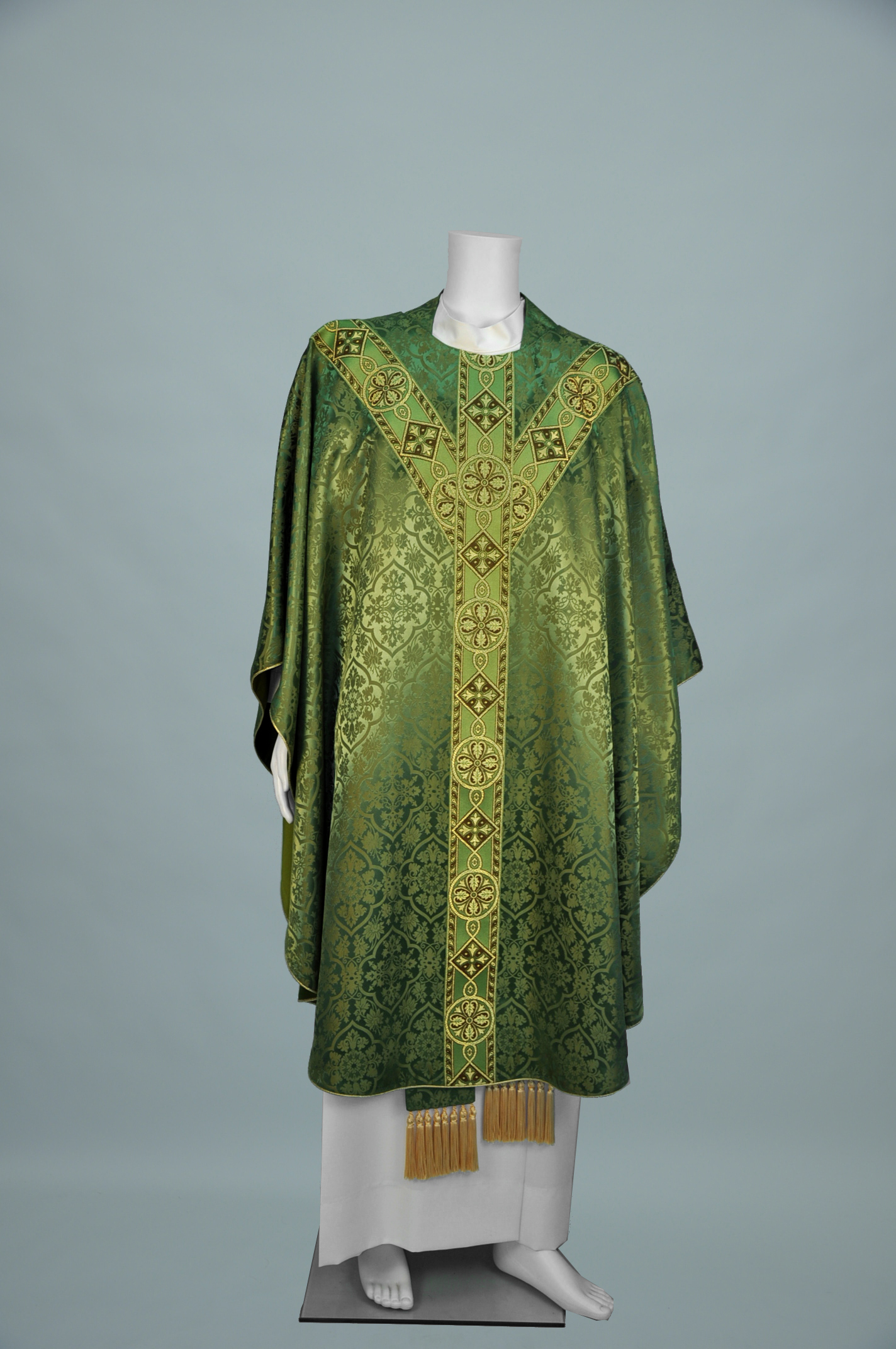 Gothic Chasuble Old Normandy olive green w 1180 olive green gold (f) 1.jpg