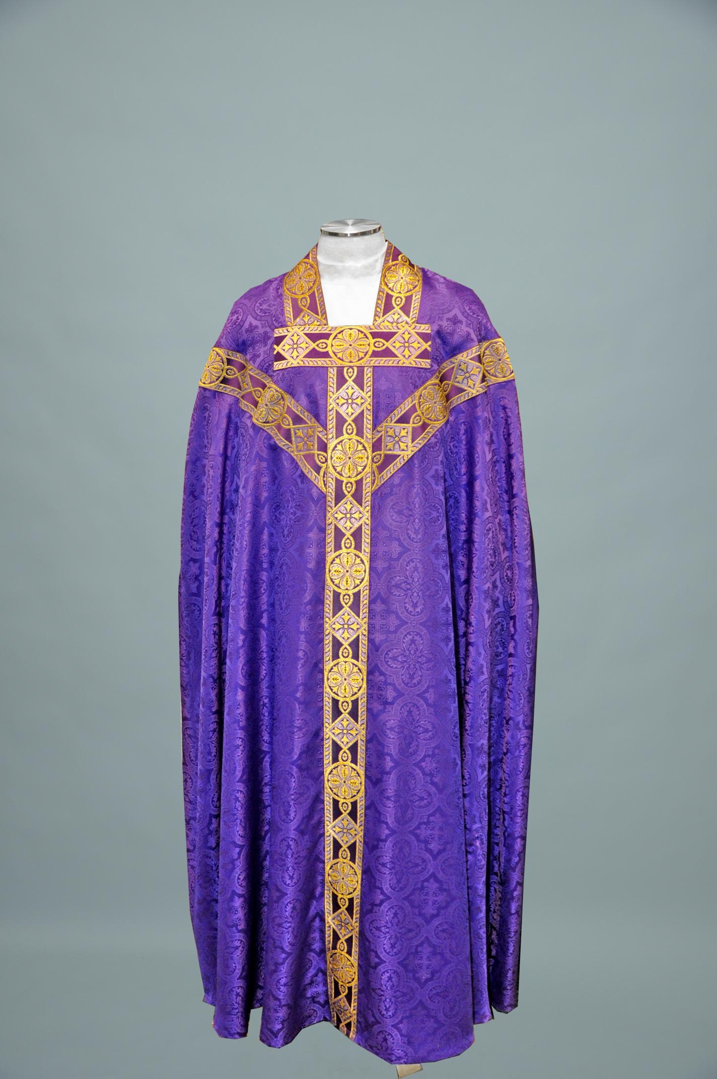 Conicle Chasuble Davinci Purple W 1180 Purple gold (f) 1.jpg