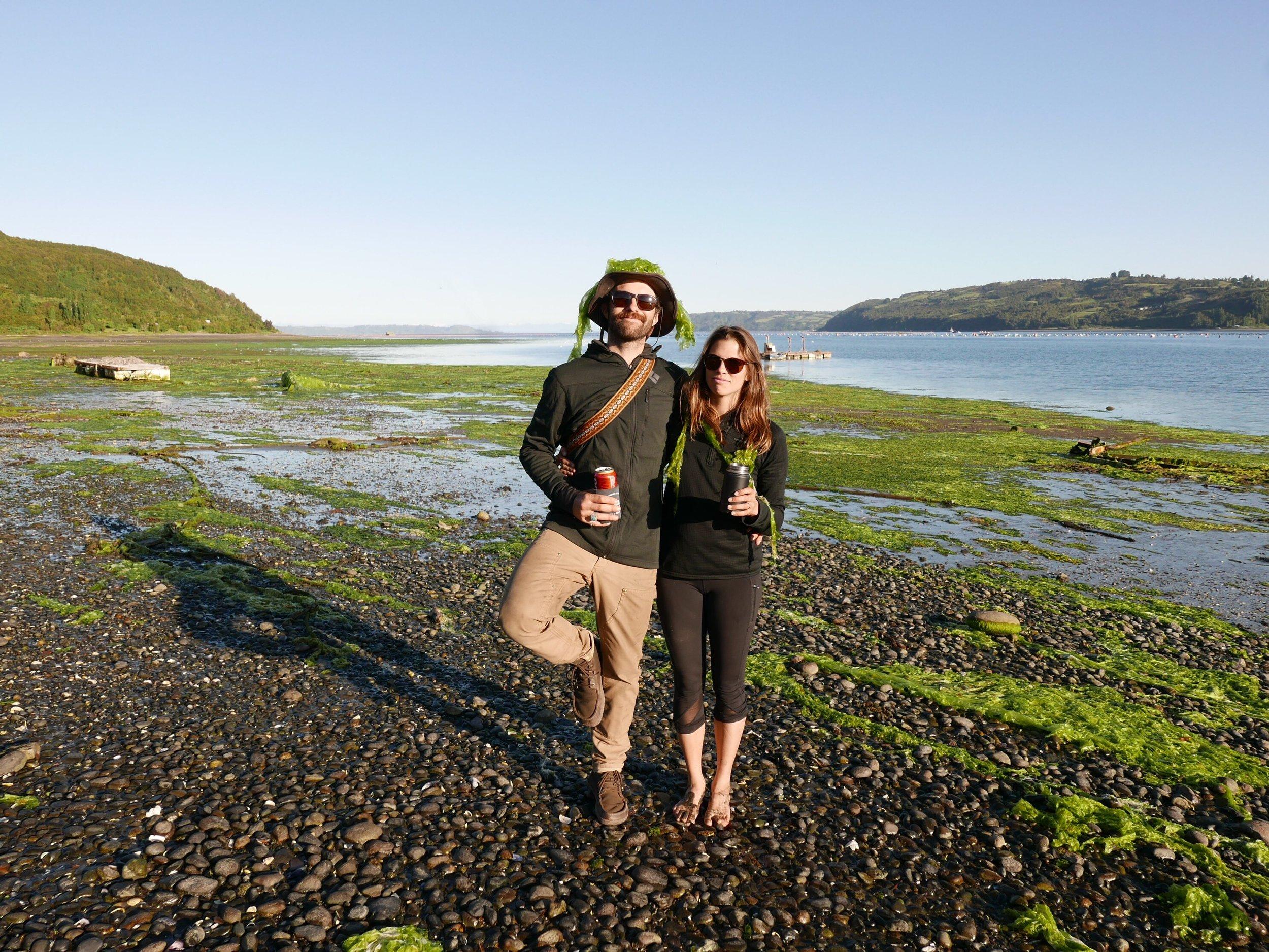 Mele kalikimaka. Our susperstar visitors—Sam and Bina.