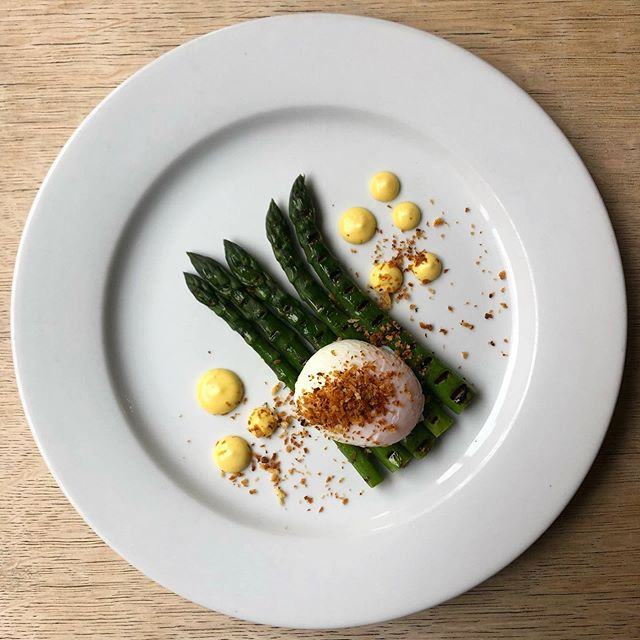 saxondale asparagus, soft boiled hen's egg, pangritata & aioli on the menu this weekend #asparagus #nottingham