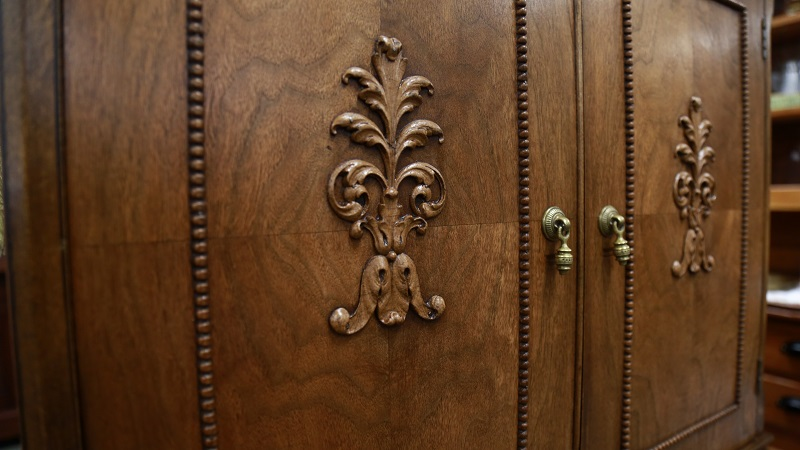Handcrafted Antique Furniture detail - ss.jpg