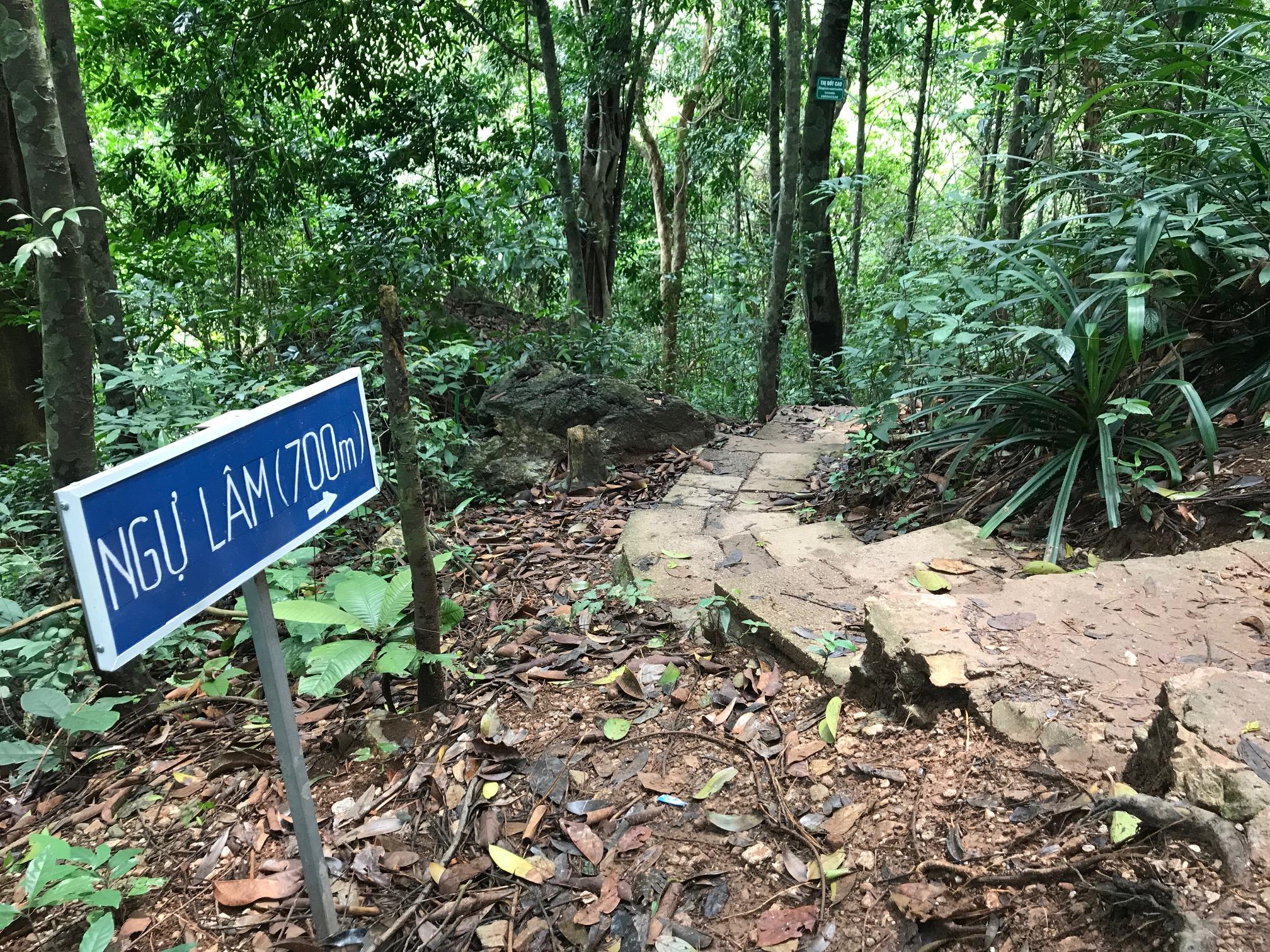 ngu lam peak trail
