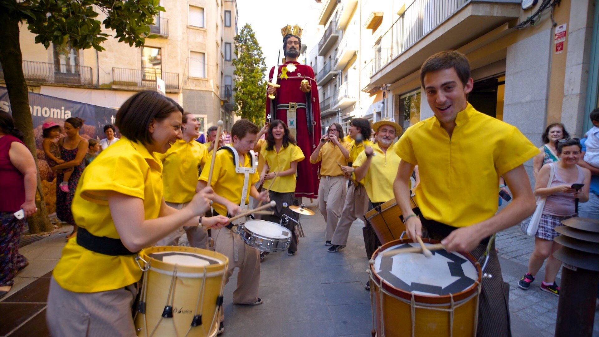 303 Girona - Mickela Mallozzi with Fal Lera Gironina in Girona, Catalonia - photo credit Bare Feet.JPG