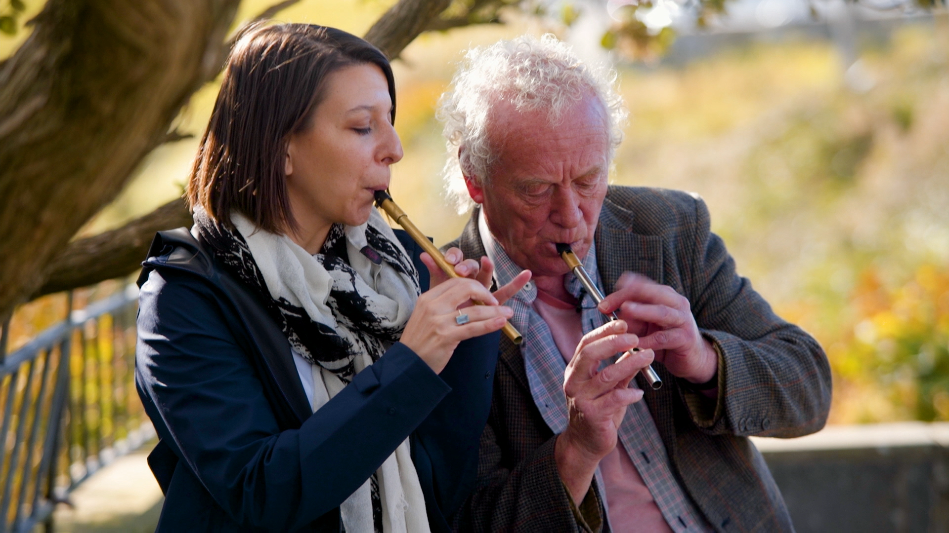 307 Mickela Mallozzi learning tin whistle in Doolin with Christy Barry - photo by lilDragon.png