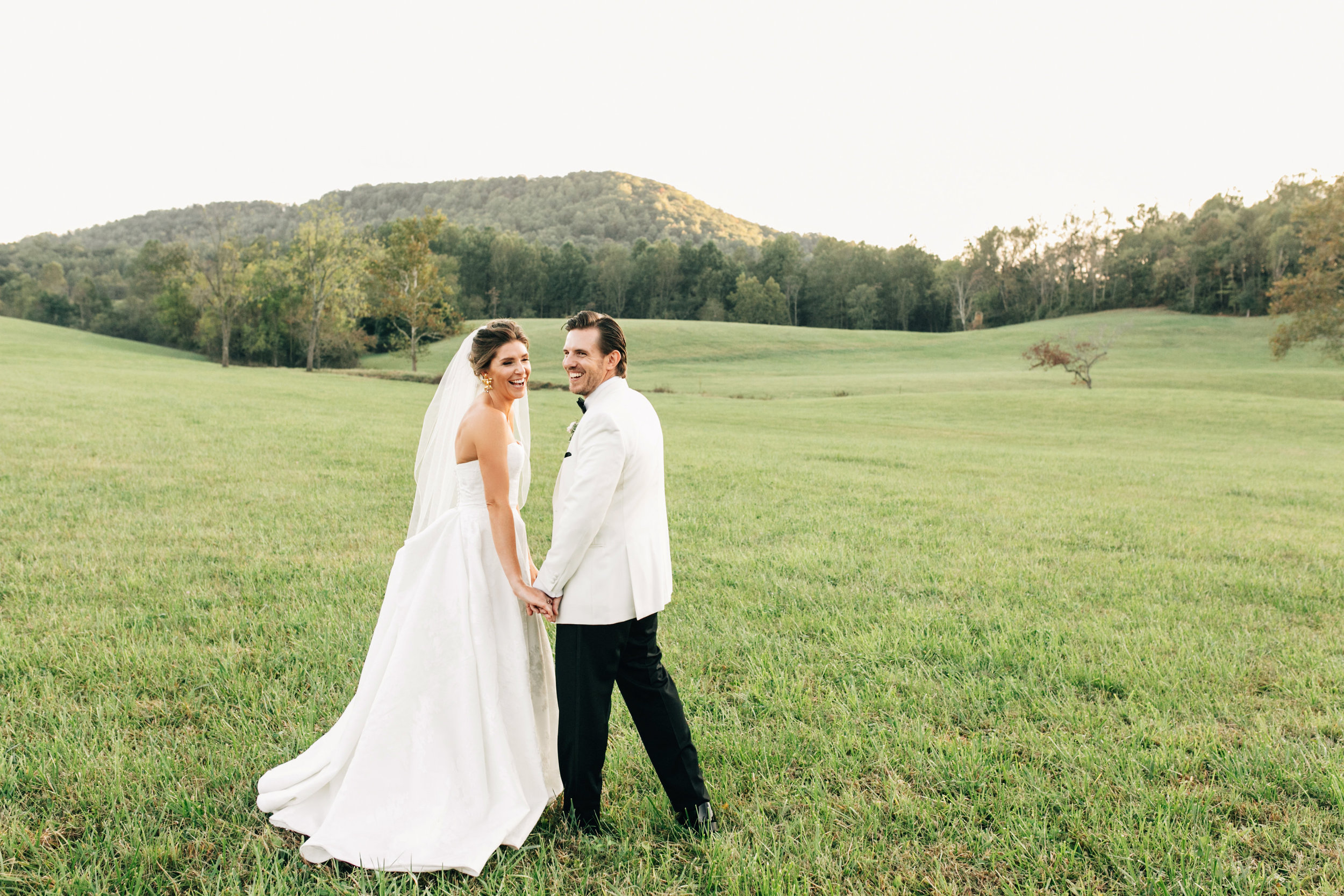 KatieStoopsPhotography-charlottesville wedding-farm wedding34.jpg