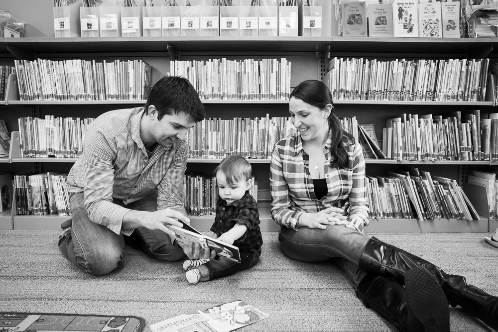 Family photos at the library | Candid family photography in Rochester, NY