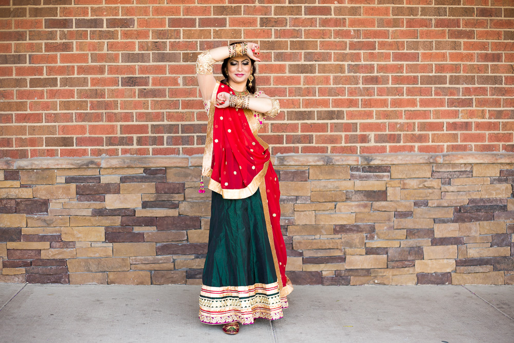 Hindu bride before the Sagai in Northern Virginia | Hindu Wedding Photographer | Megan Rei Photography