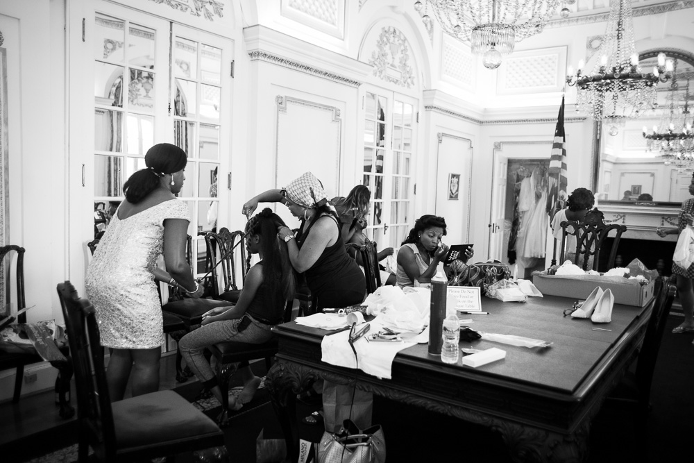 Bridal party getting ready in the Connecticut Board Room at DAR | DAR Museum Wedding Photos | Megan Rei Photography