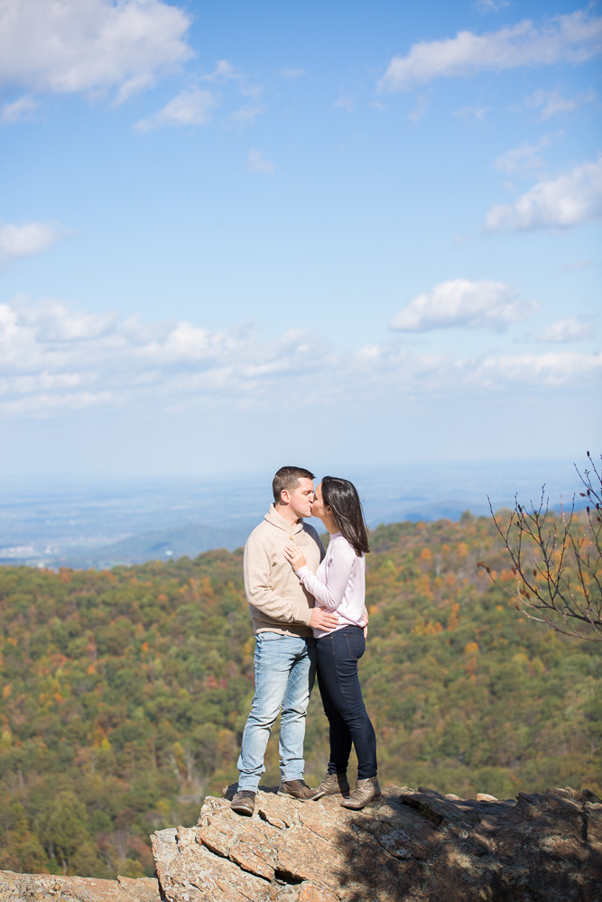 Compton Peak overlook hike in the Blue Ridge Mountains | Blue Ridge engagement photography