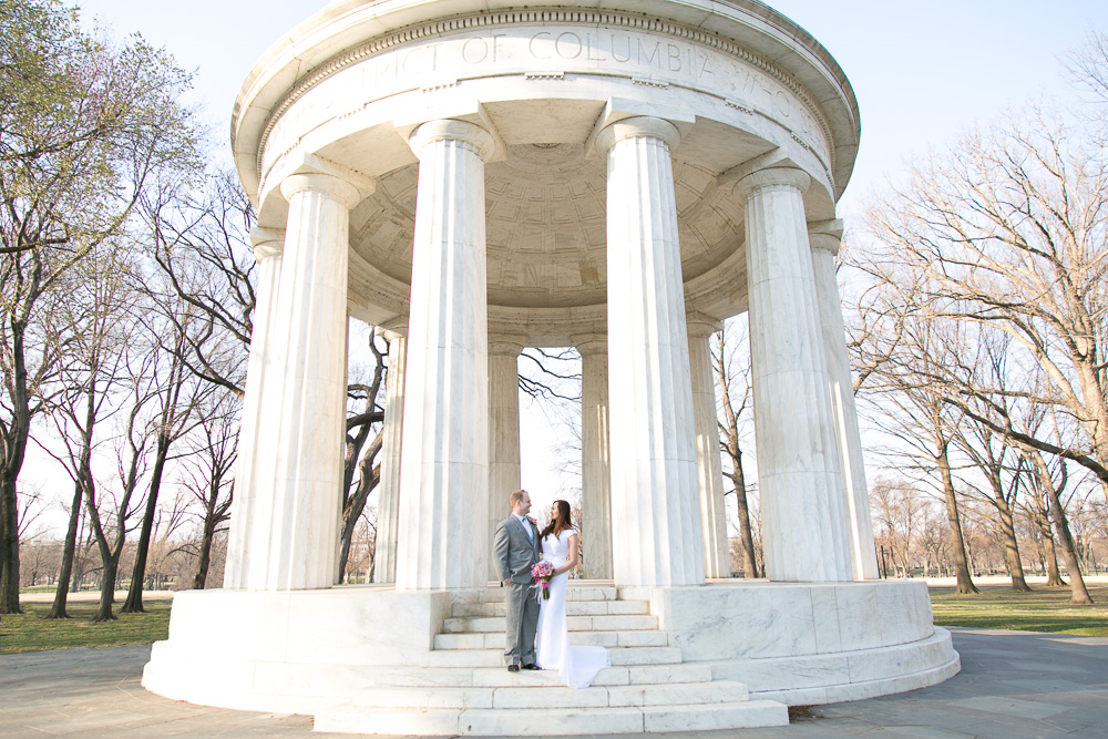 Classic DC War Memorial wedding photo | Washington, DC Wedding Photography | Megan Rei Photography