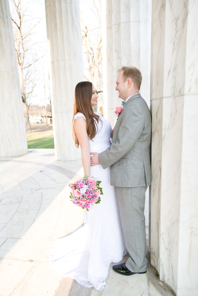 Bride and groom wedding portraits at the DC War Memorial | Northern Virginia Wedding Photographer
