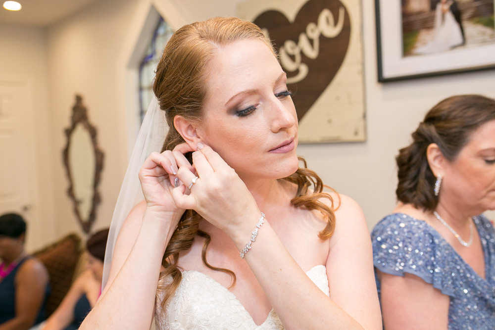 Documentary Wedding Photography | Chapel Hill Wedding in Rochester, New York | Megan Rei Photography | Makeup by Jessica Marie | Hair by April Sunshine