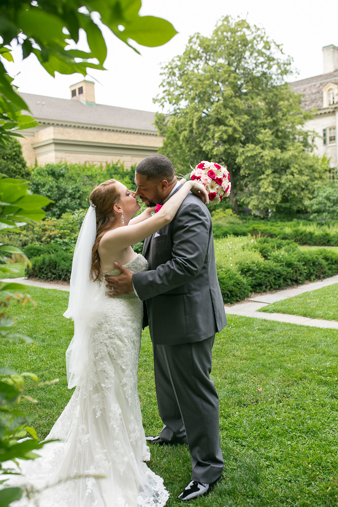 Bride and groom with George Eastman Mansion backdrop | Rochester Wedding Photography