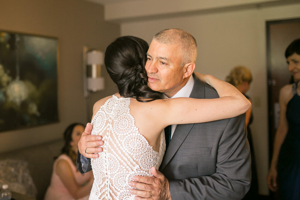 Dad seeing his daughter for the first time on her wedding day | Father-daughter First Look