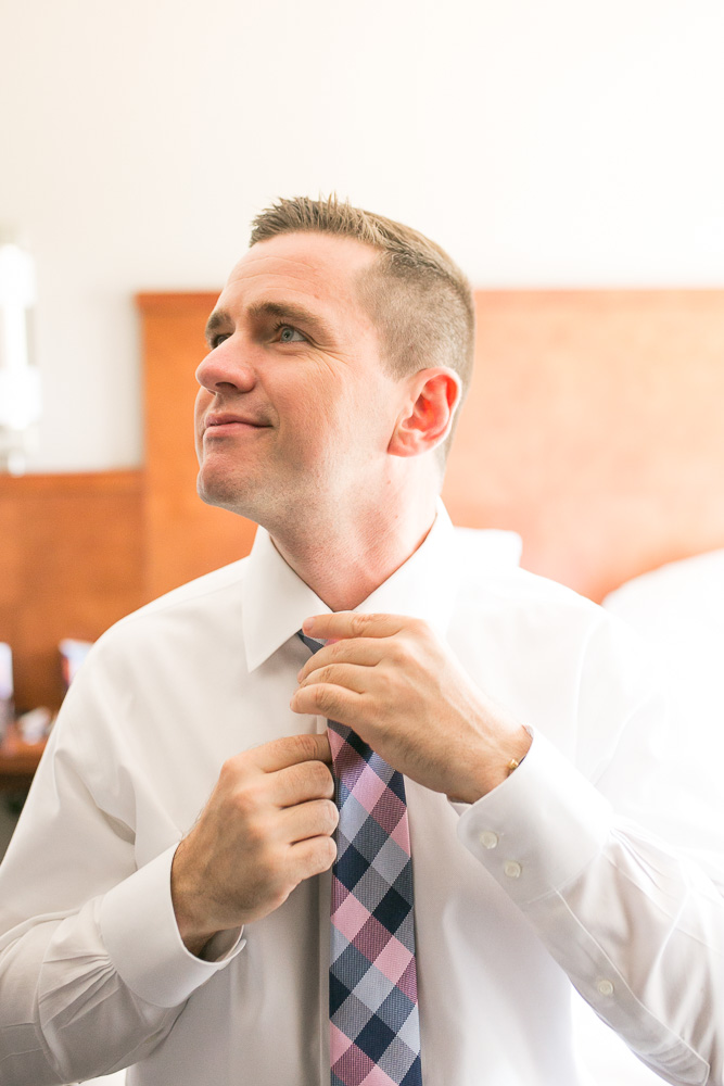 Wedding day getting ready photos at Hyatt Place Chantilly/Dulles | Northern Virginia Candid Wedding Photographer | Megan Rei Photography