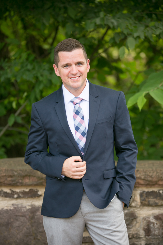 Groom portrait | Navy and blush wedding colors | Centreville, Virginia Wedding Photography