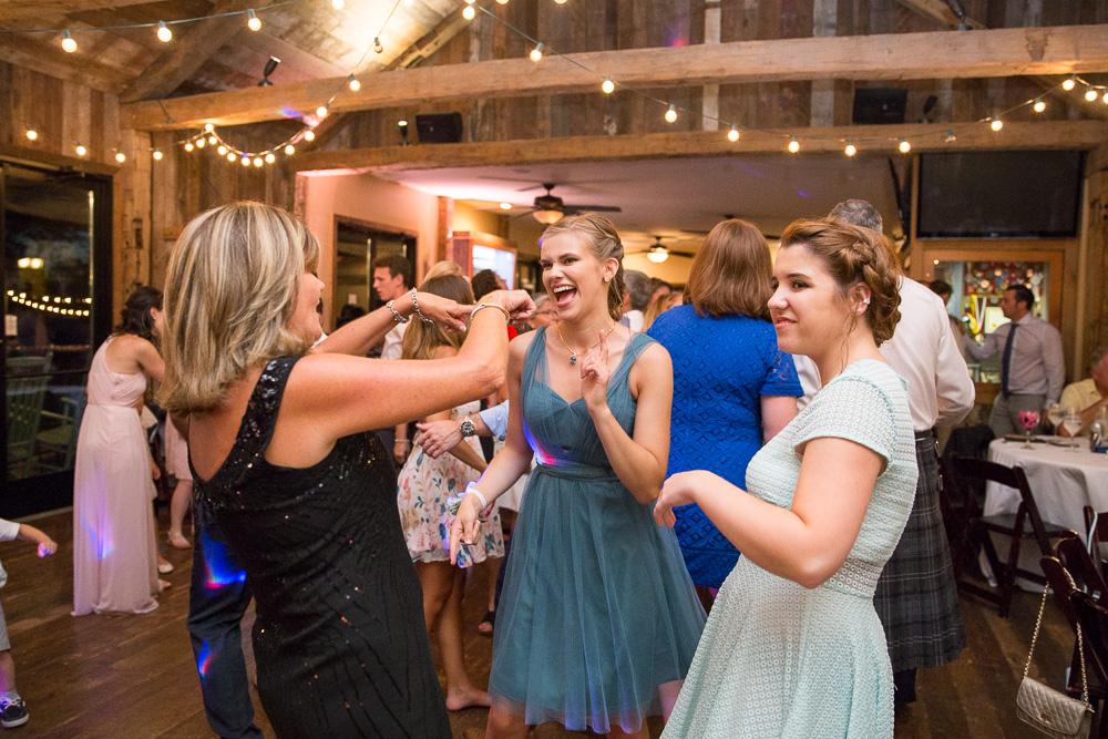 Documentary style wedding photos in Fairfax County | Best Wedding DJ in Northern Virginia | Perpetual Sound DJ
