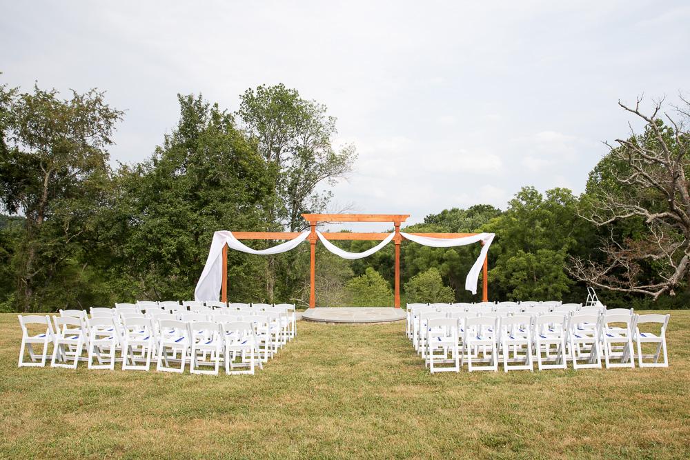 Outdoor wedding ceremony at Mountain Run Winery in Culpeper, Virginia