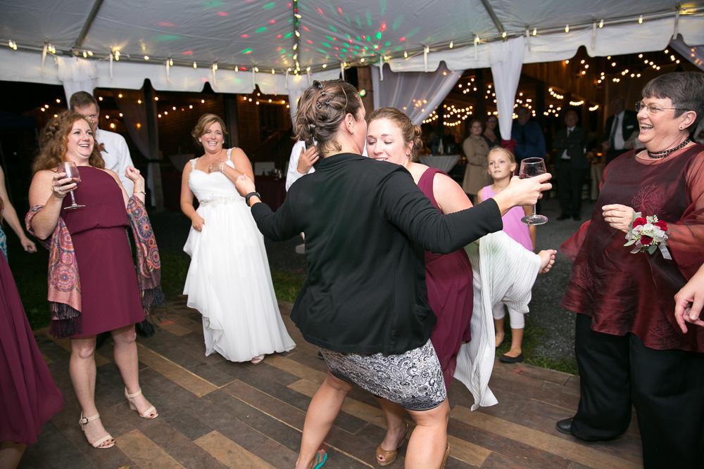 mountain-run-winery-wedding-culpeper-megan-rei-photography-249.jpg